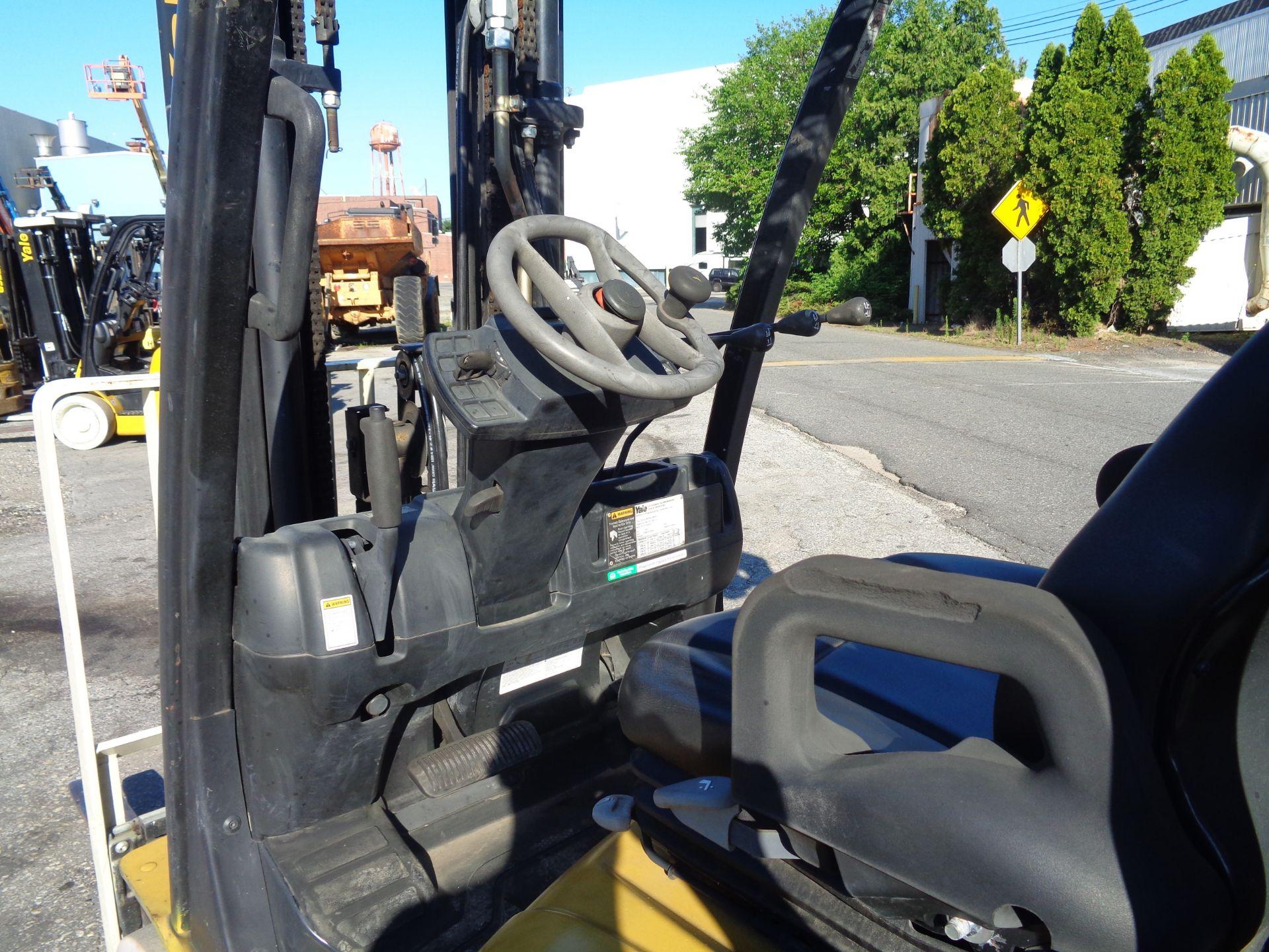 2014 Yale GLC050VXNVRE088 5,000 lb Forklift - Image 7 of 11