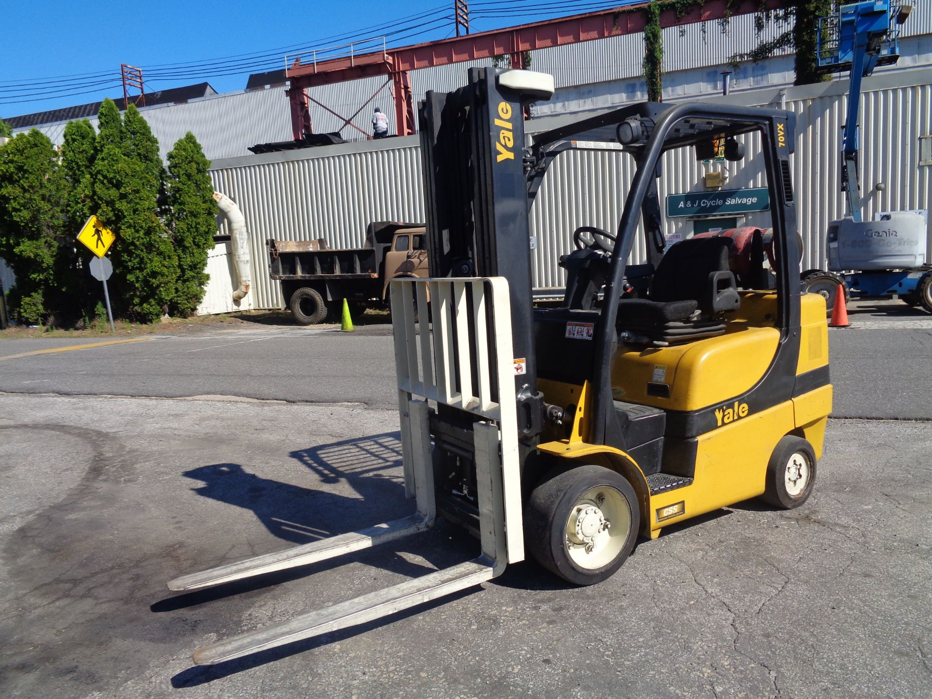 2014 Yale GLC070VXNGSE088 7,000 lbs Forklift - Image 12 of 12