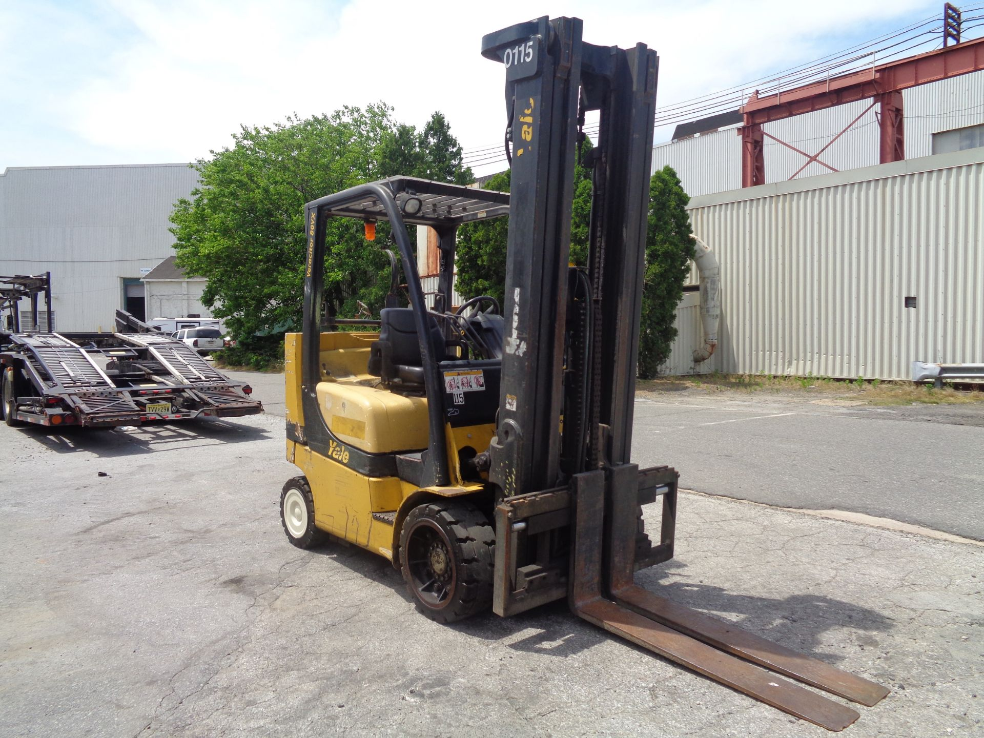 Yale GC080VXNGSE107.6 8,000lb Forklift - Image 5 of 18