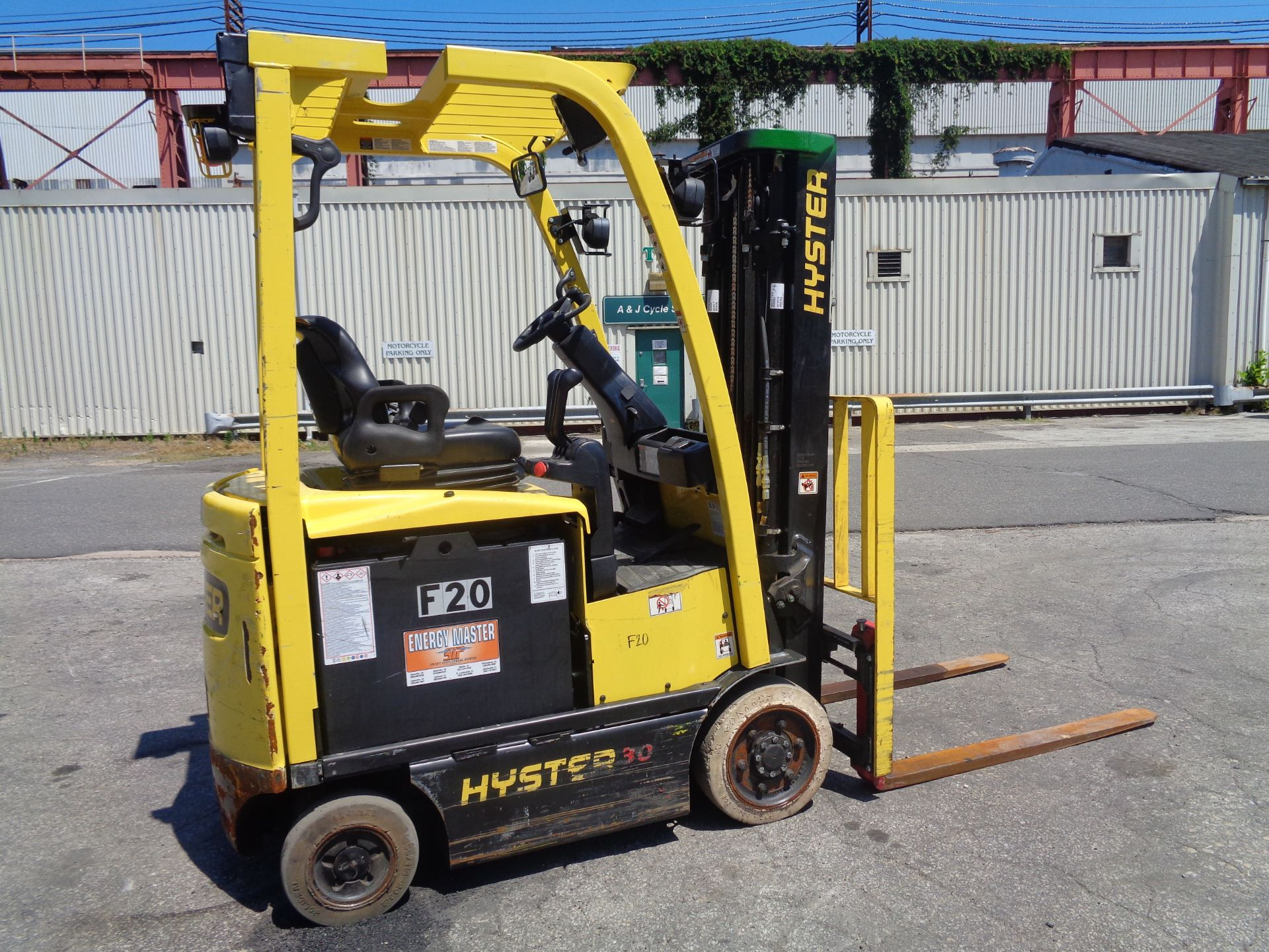 2016 Hyster E30XN 3,000lb Forklift - Image 3 of 18