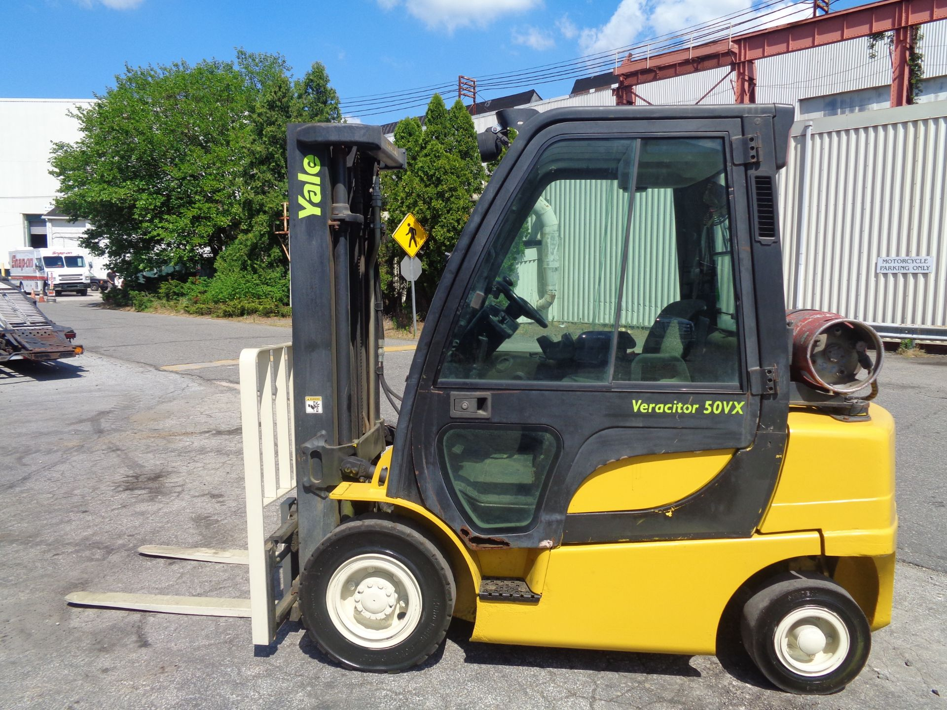 Yale GLP05VXEUSE086 5000 lb Forklift - Image 10 of 14