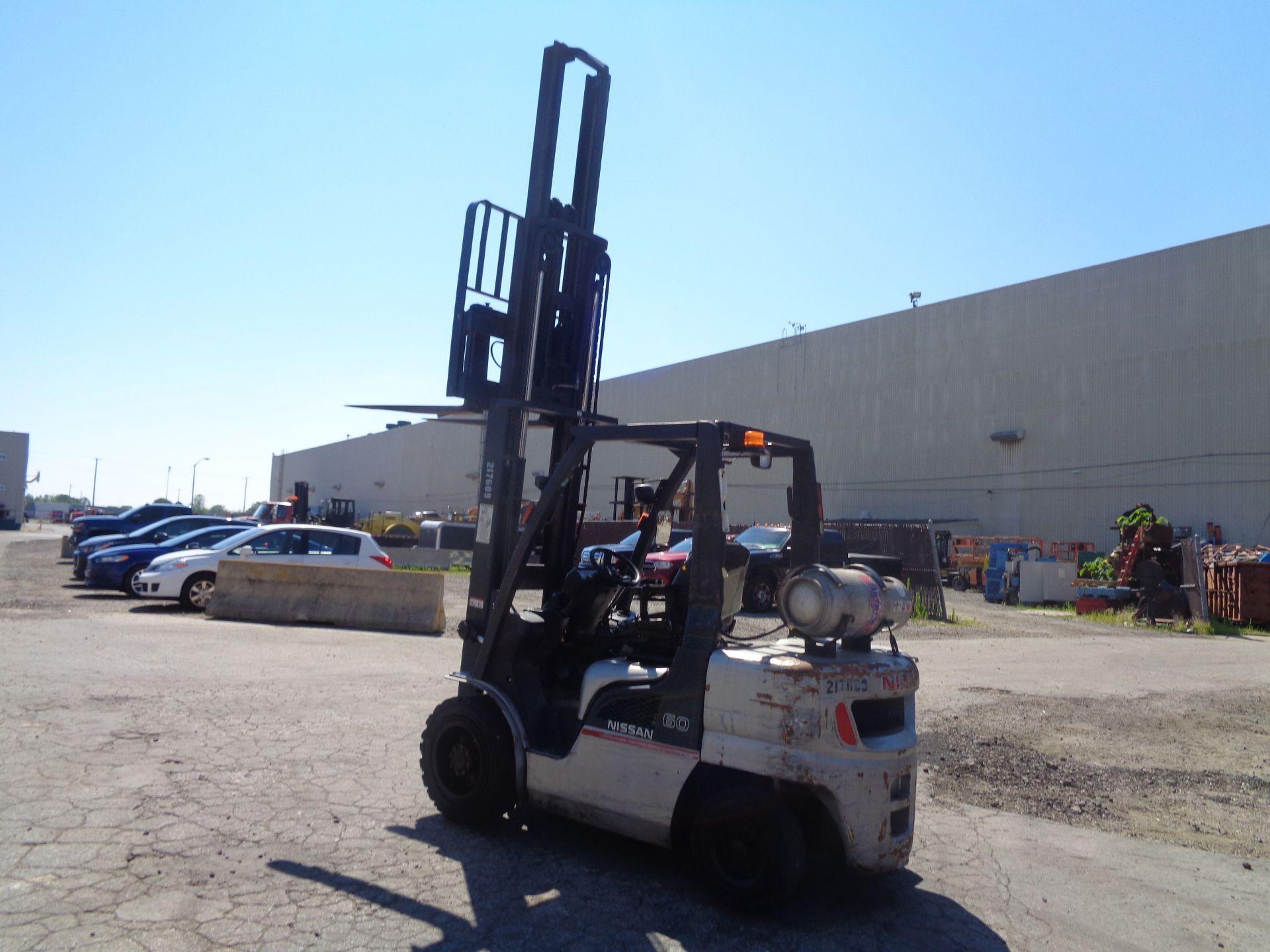 Nissan MUG1F2A30LV 6,000 lbs Forklift - Image 8 of 9