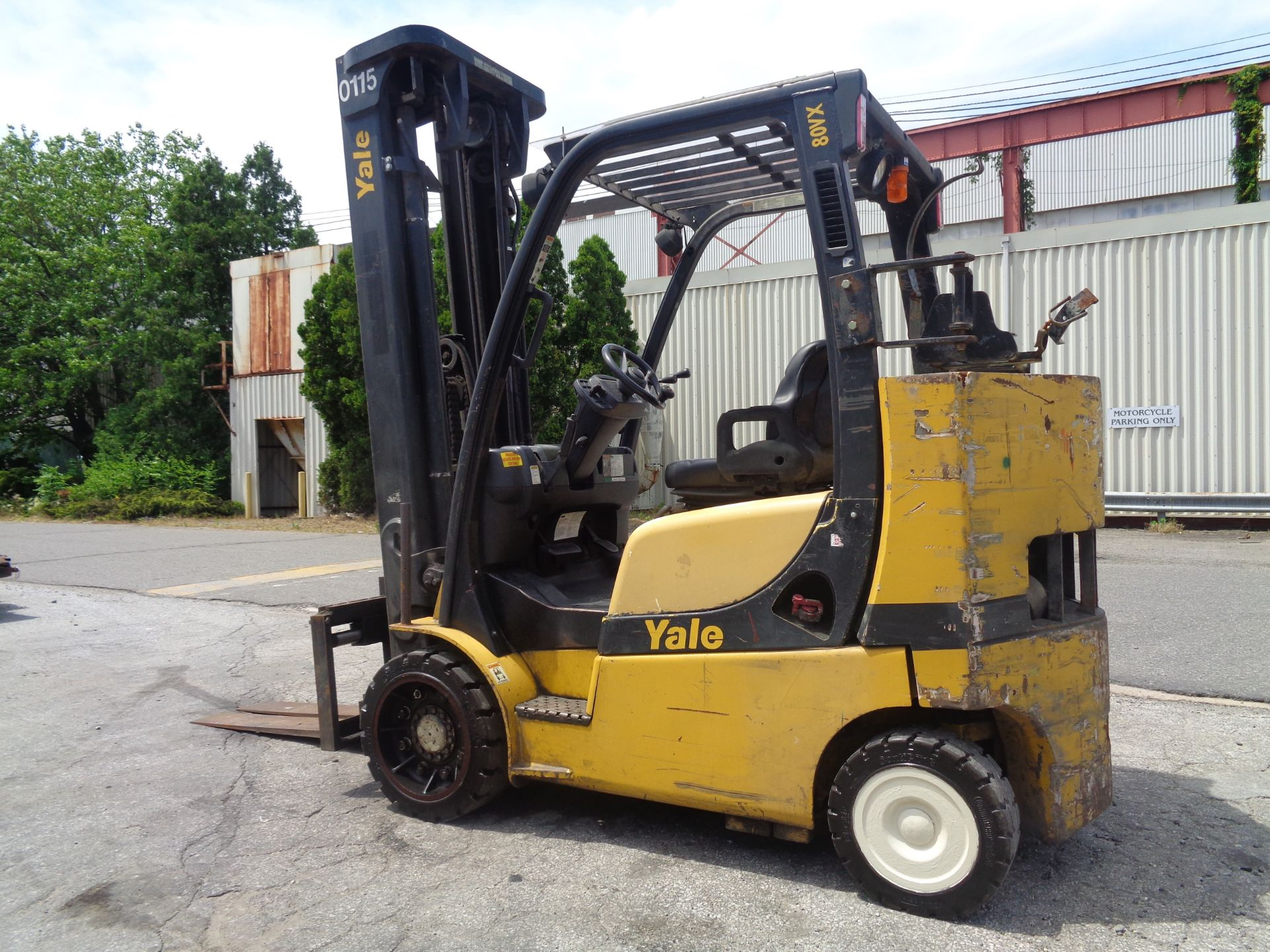 Yale GC080VXNGSE107.6 8,000lb Forklift - Image 10 of 18