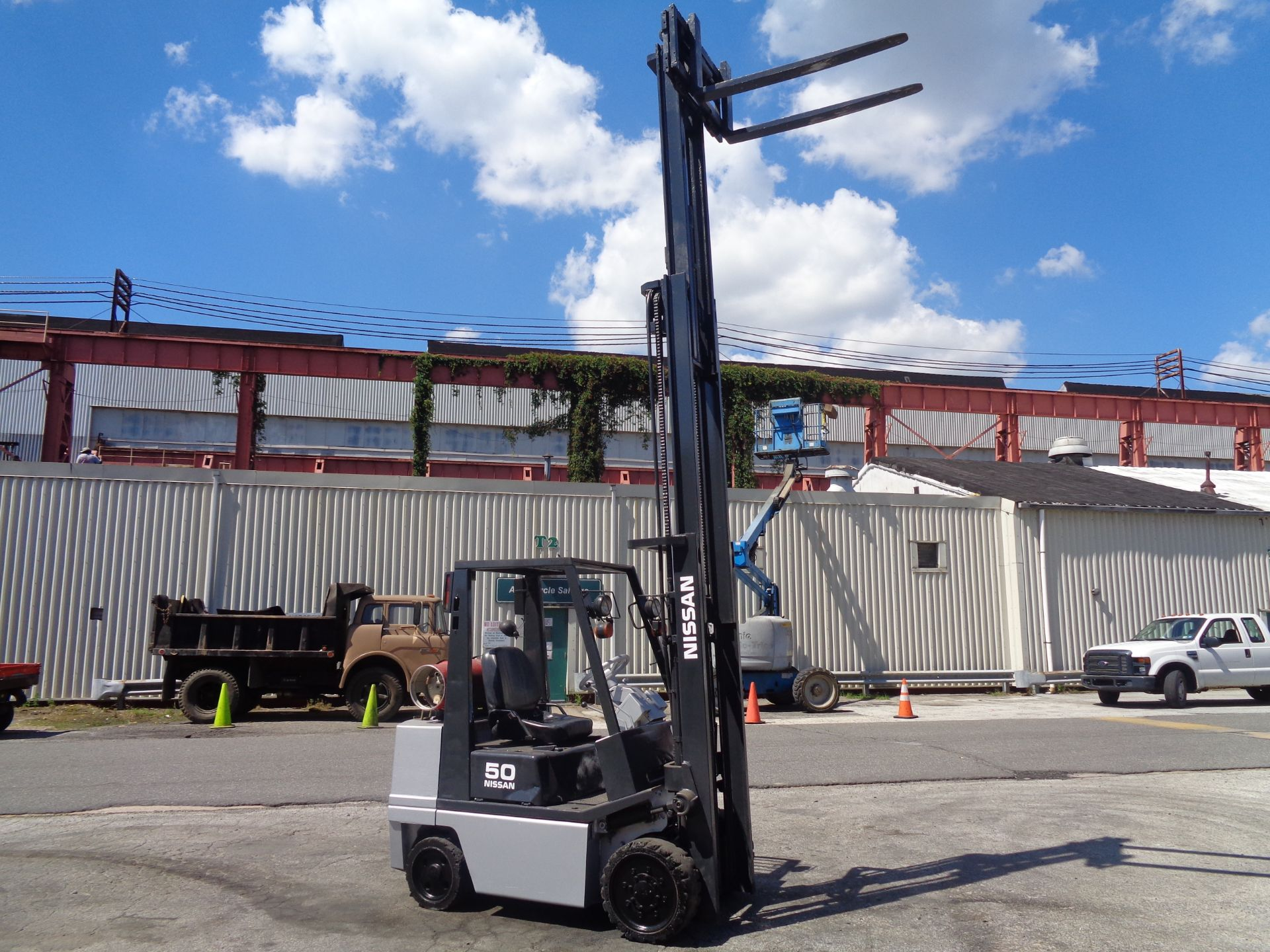 Nissan KCPH02A25PV 4,400 lb Forklift - Image 14 of 17