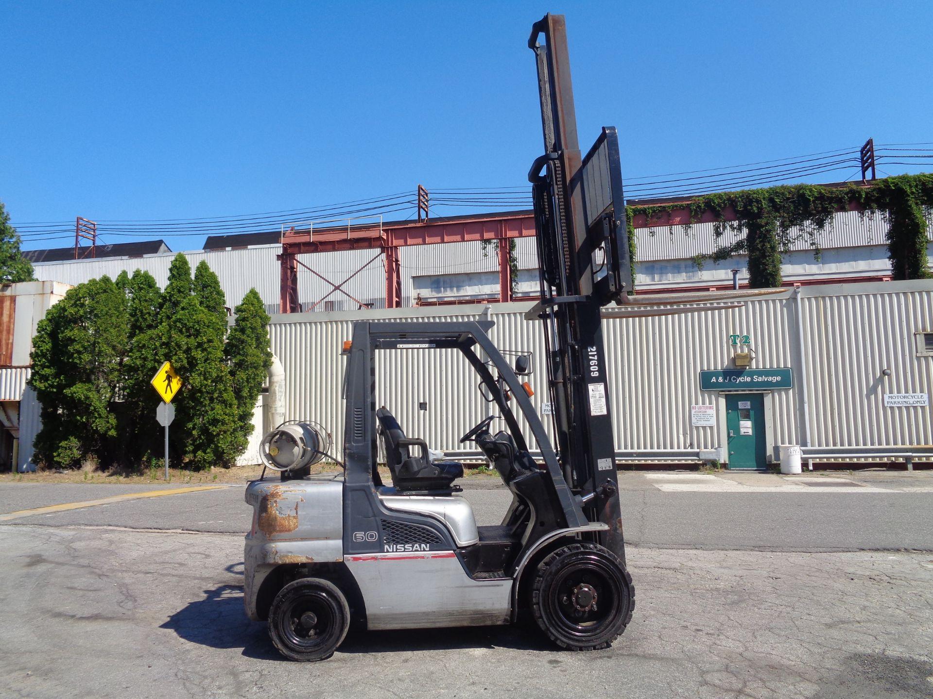 Nissan MUG1F2A30LV 6,000 lbs Forklift - Image 6 of 9