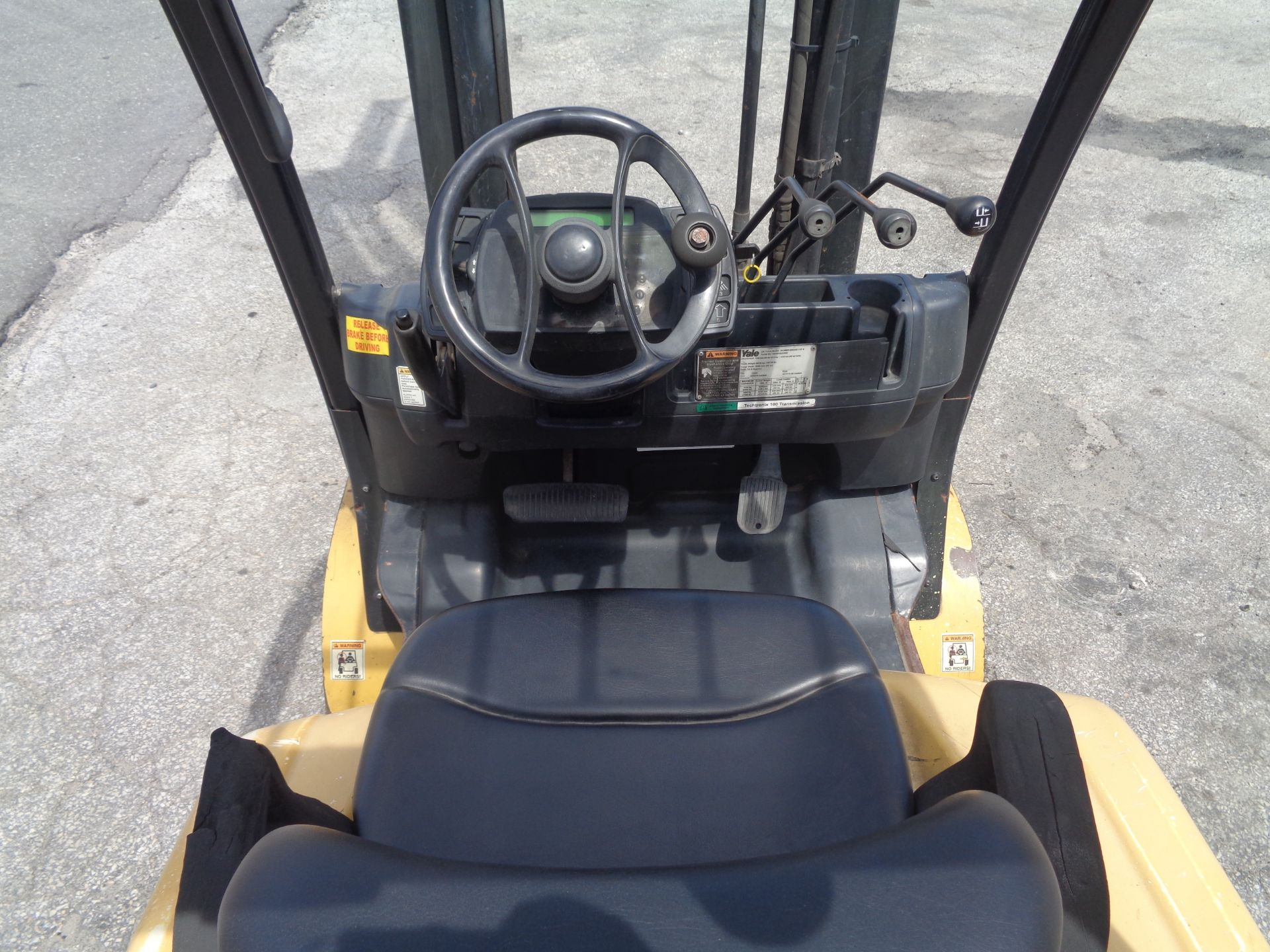 Yale GC080VXNGSE107.6 8,000lb Forklift - Image 17 of 18