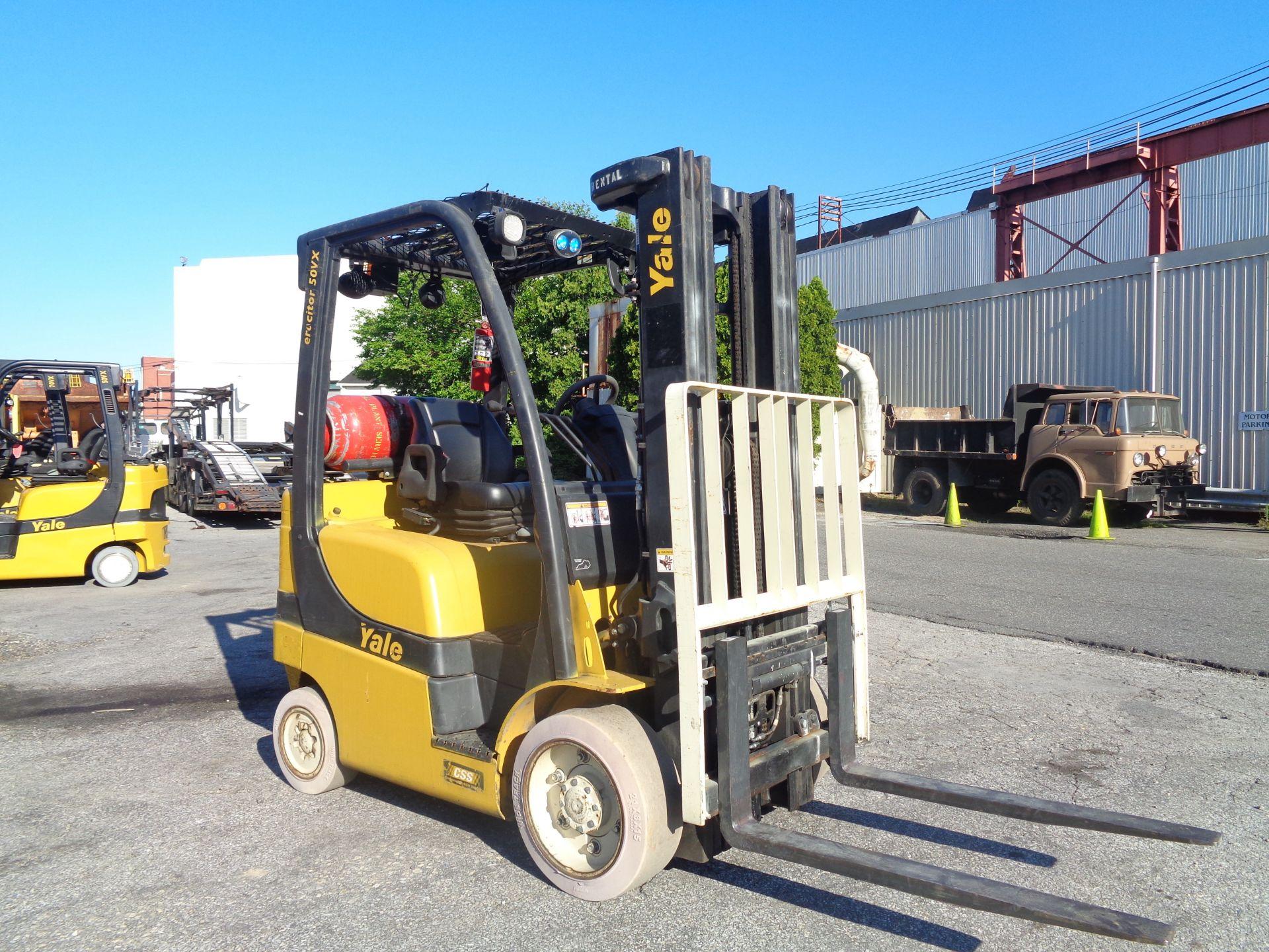 2014 Yale GLC050VXNVRE088 5,000 lb Forklift - Image 3 of 11