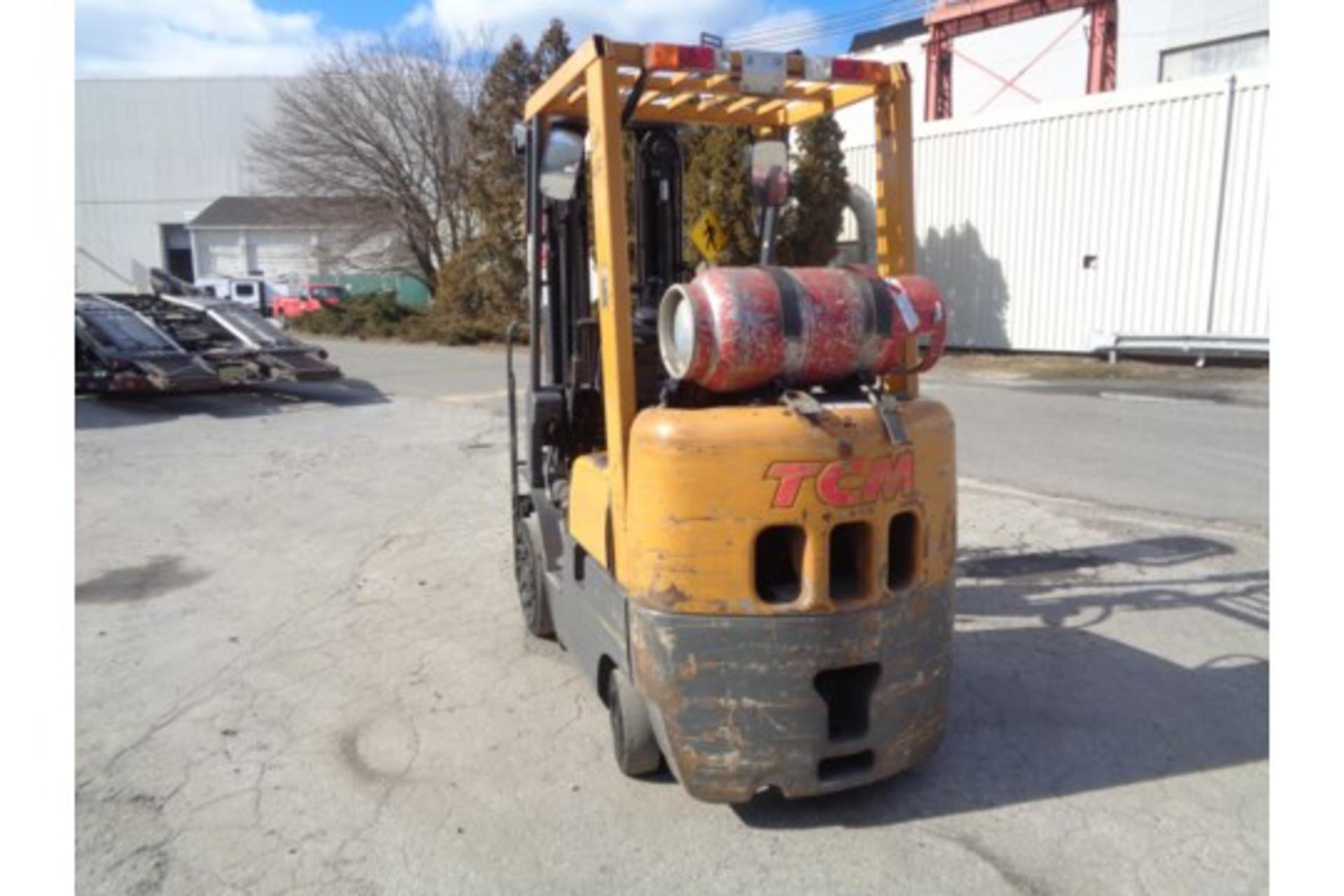 TCM FCG15F9 3,000lb Forklift - Image 9 of 16