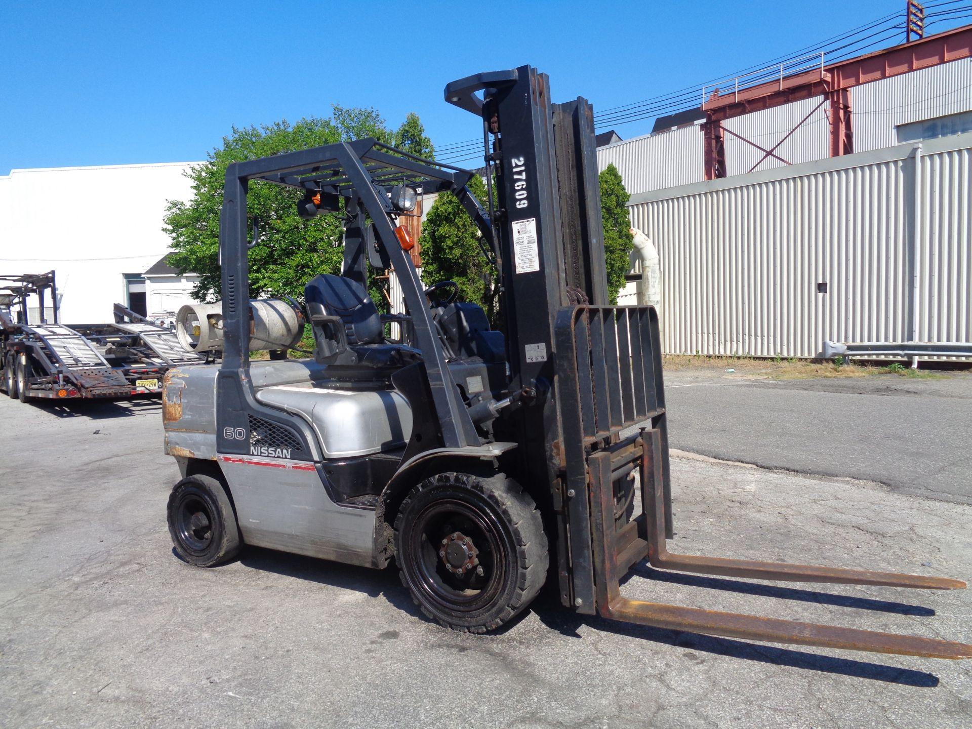Nissan MUG1F2A30LV 6,000 lbs Forklift - Image 2 of 9