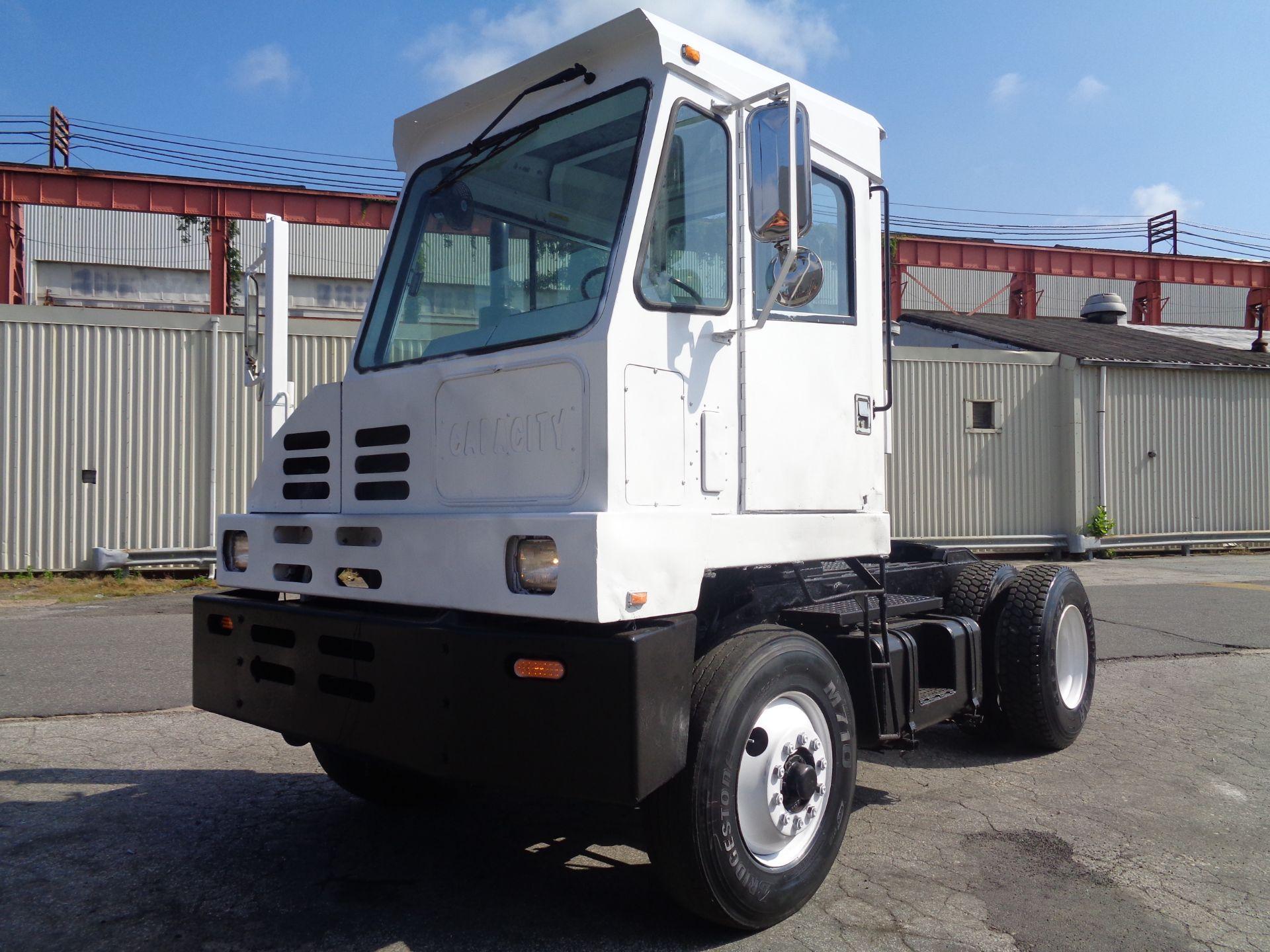 Lot 27 - 2002 Capacity TJ5000 Jockey Truck