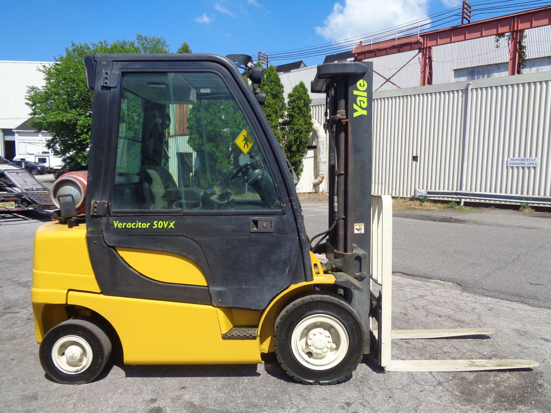 Yale GLP05VXEUSE086 5000 lb Forklift