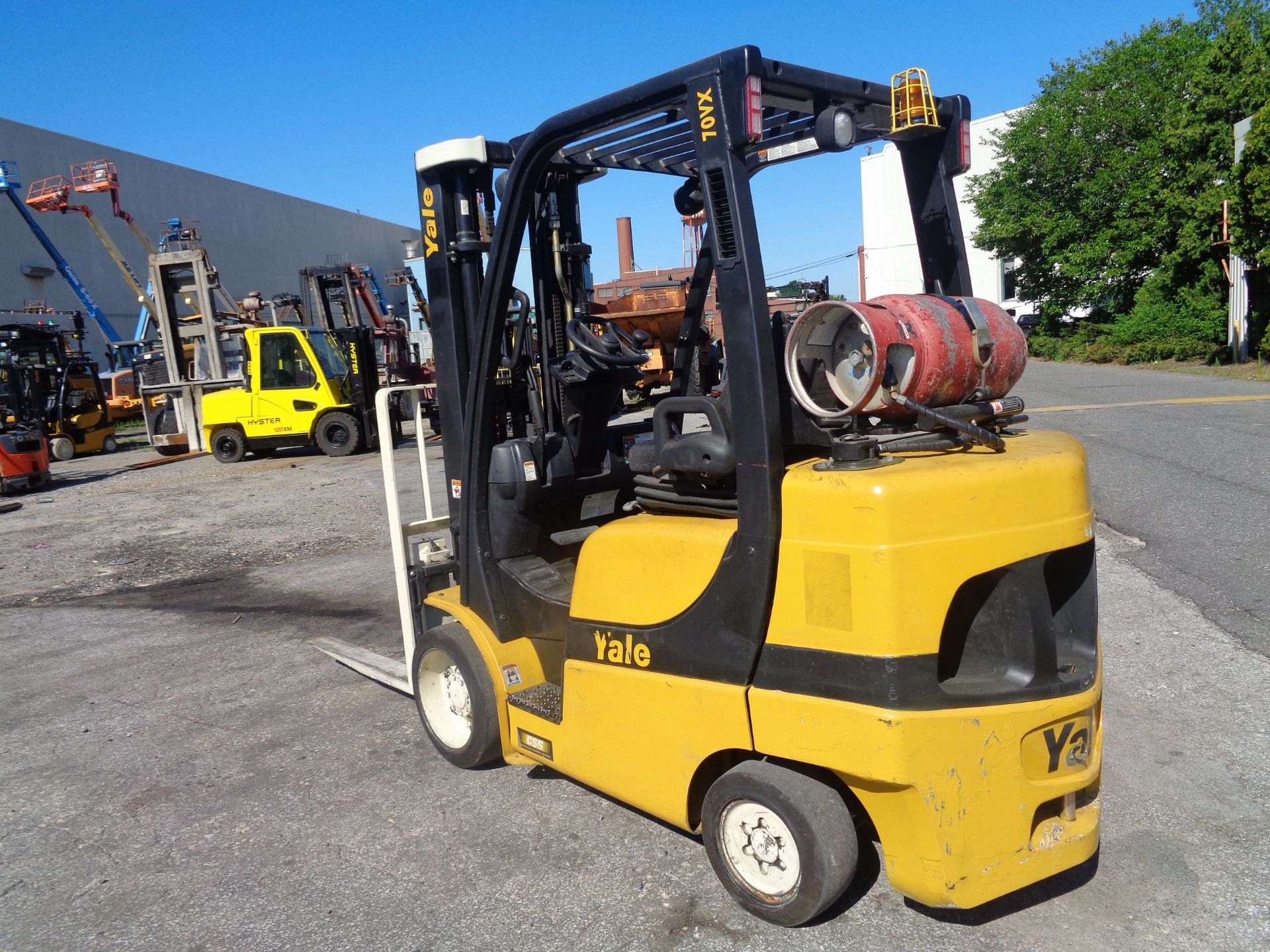 2014 Yale GLC070VXNGSE088 7,000 lbs Forklift - Image 11 of 12