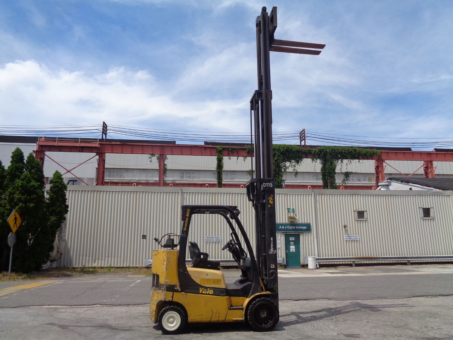 Yale GC080VXNGSE107.6 8,000lb Forklift - Image 14 of 18
