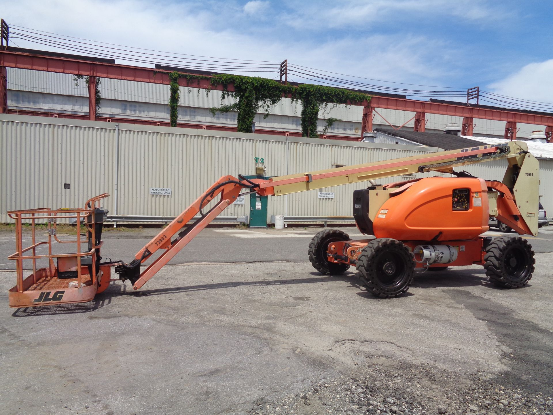 Lot 50 - 2007 JLG 600AJN 60ft Boom Lift