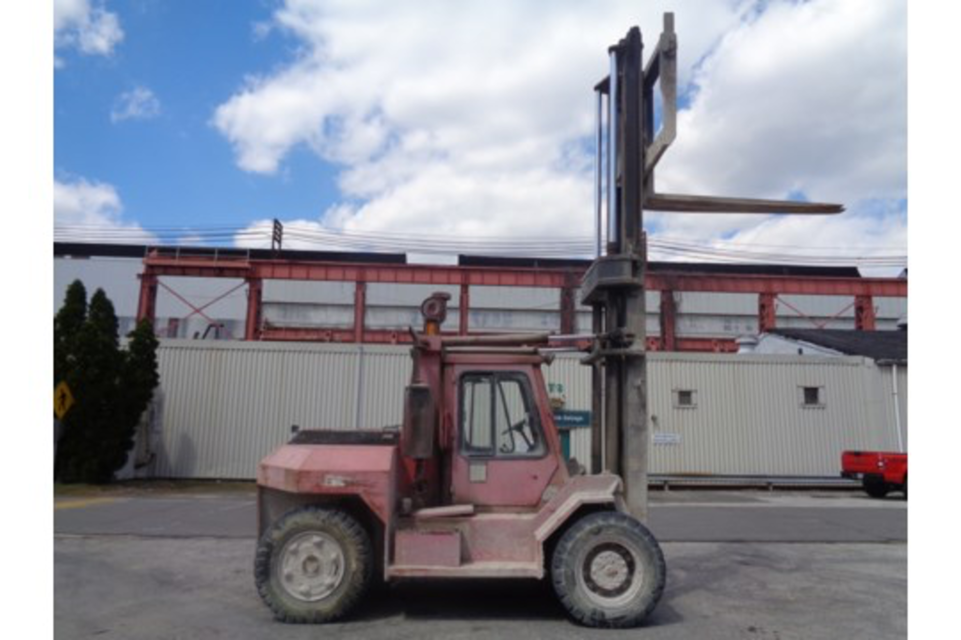 Taylor TE200S 20,000lb Forklift - Image 8 of 10