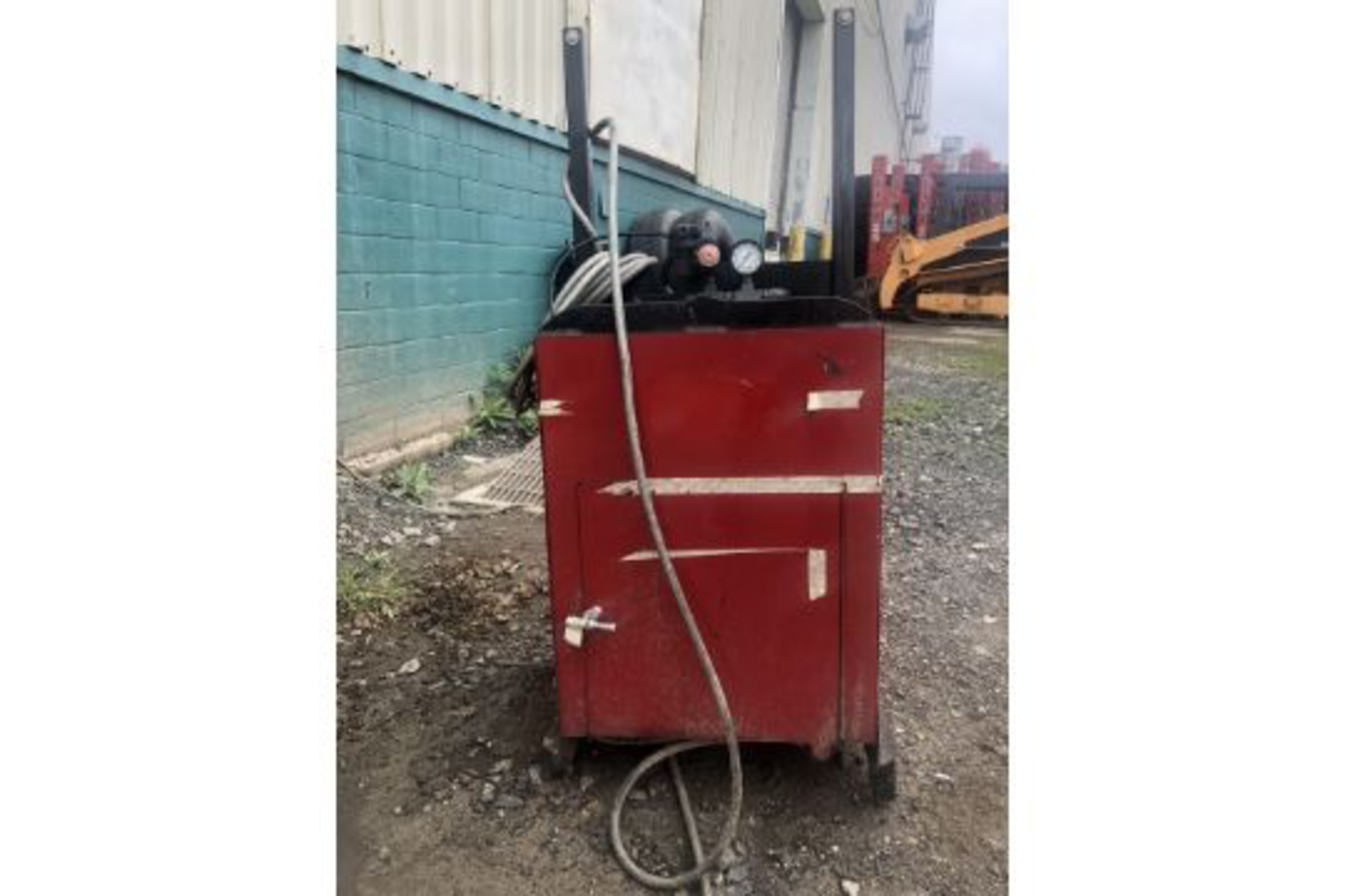 Lot 5 - Pneumatic Paint Can Crusher