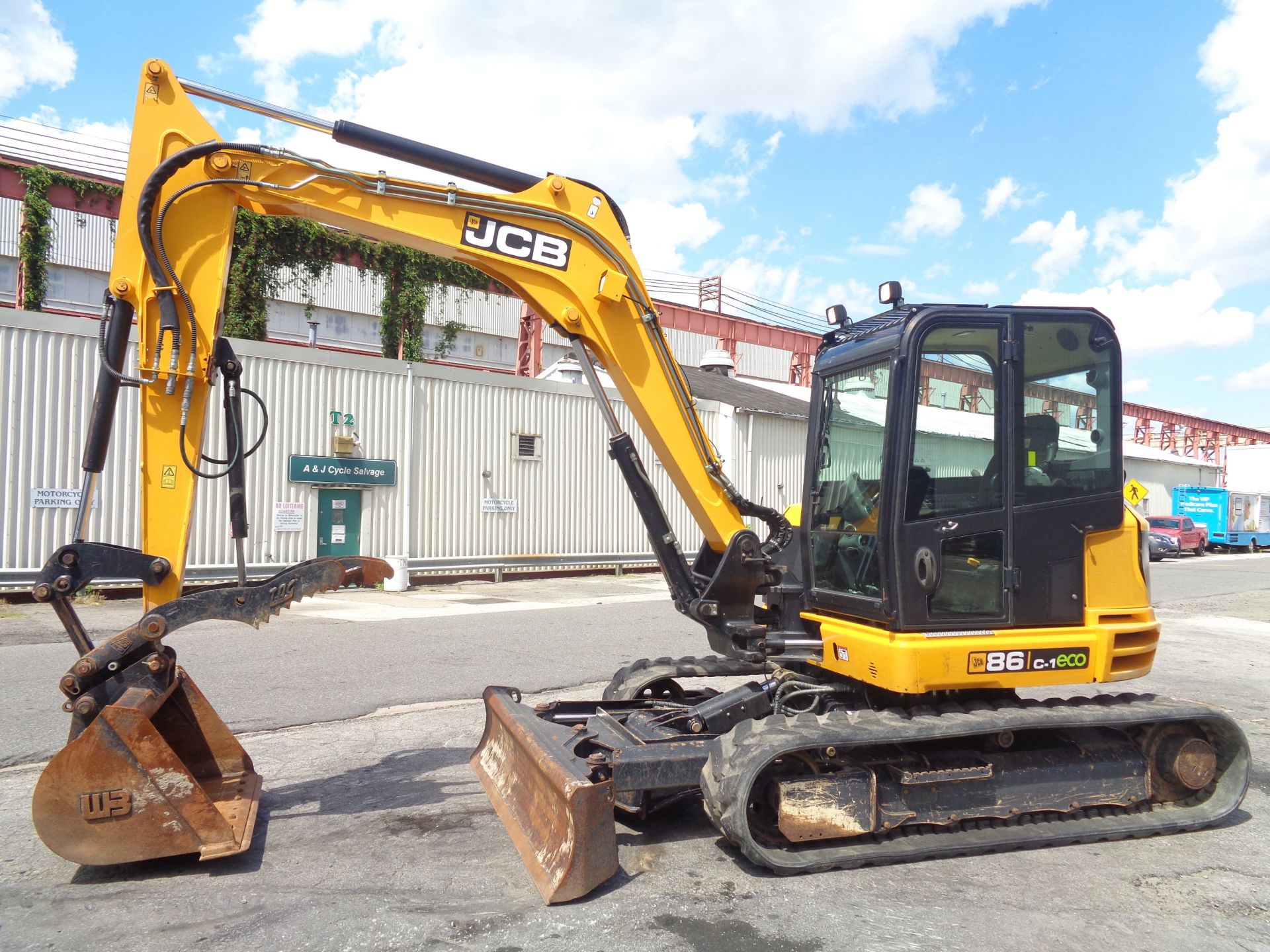 Lot 35 - 2016 JCB 86C-1 Midi Excavator Only 605 hours