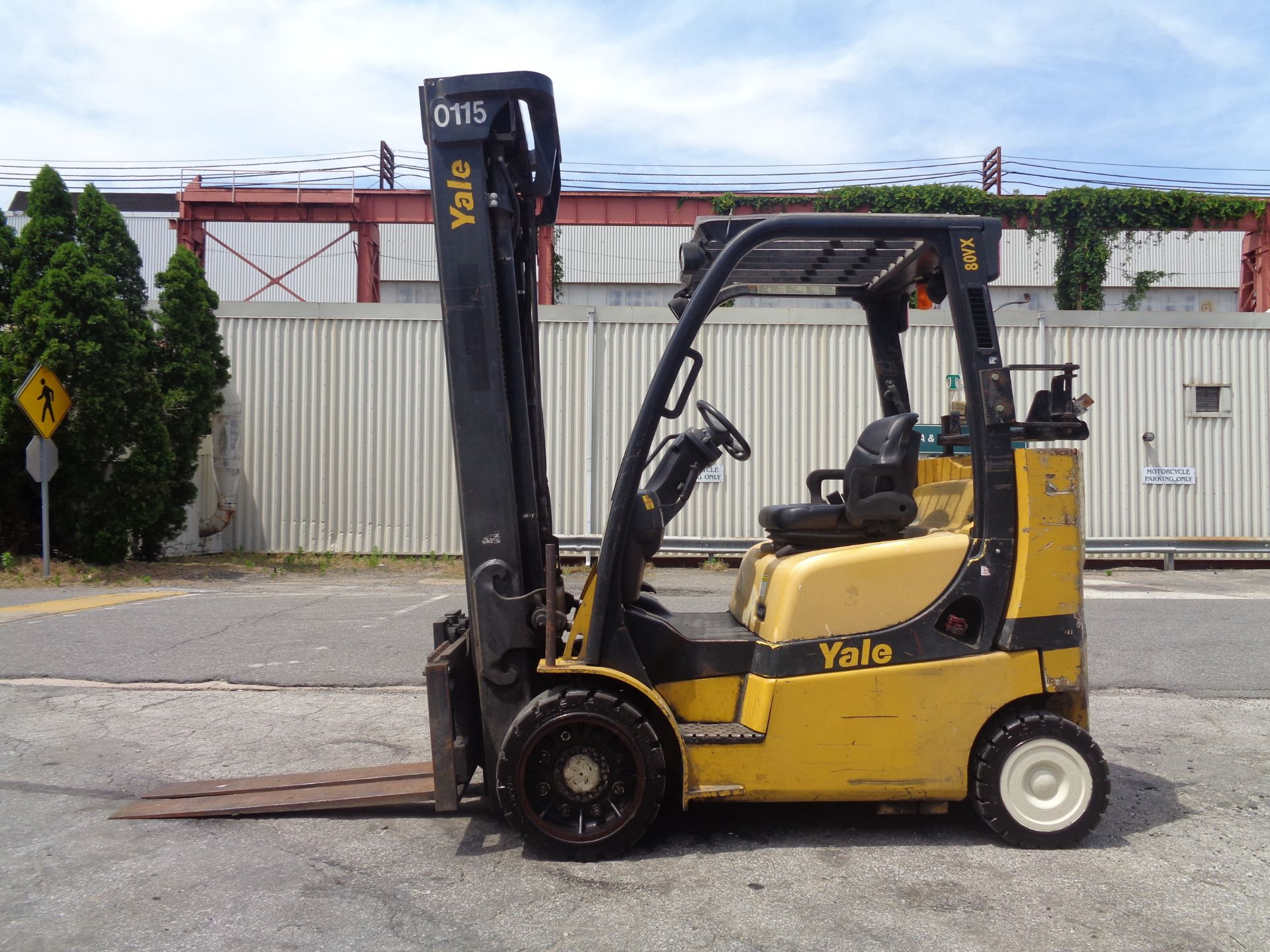 Yale GC080VXNGSE107.6 8,000lb Forklift - Image 7 of 18