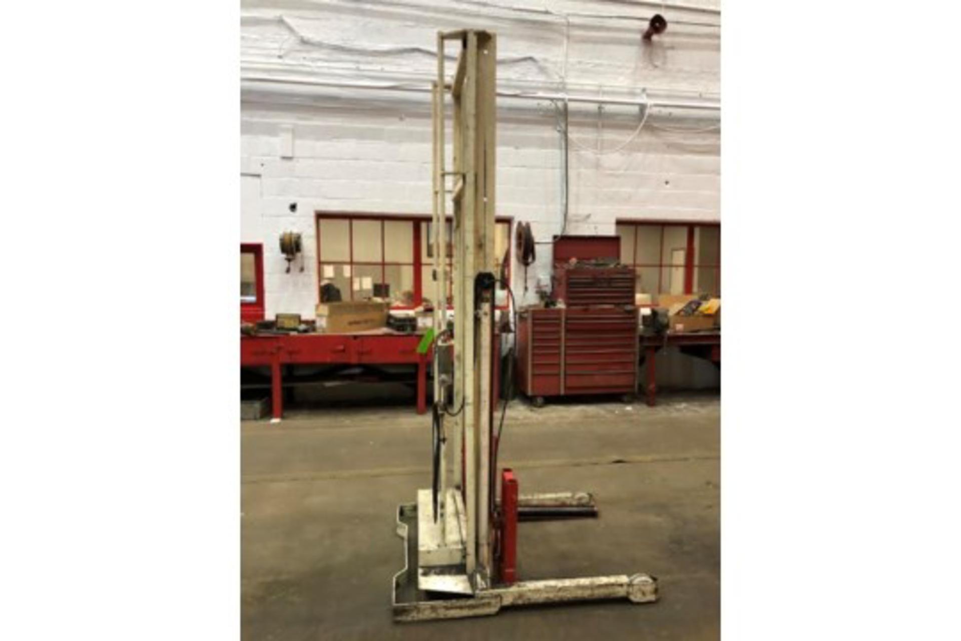 Lot 6 - Stertil Transmission Lift