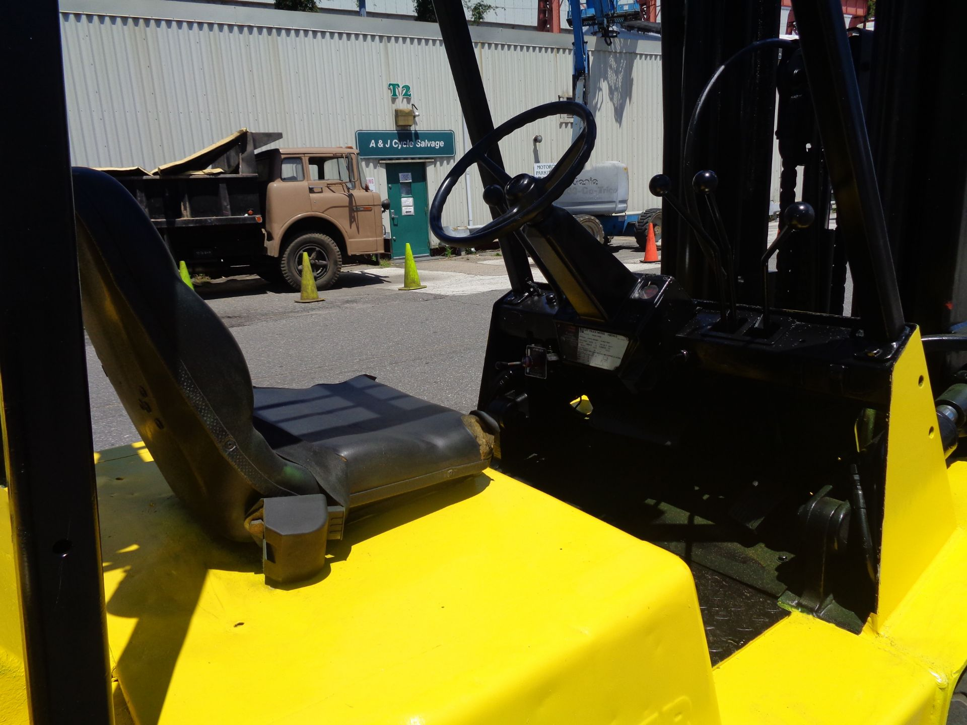 Hyster H90XLS Forklift 9,000 lbs - Image 9 of 13