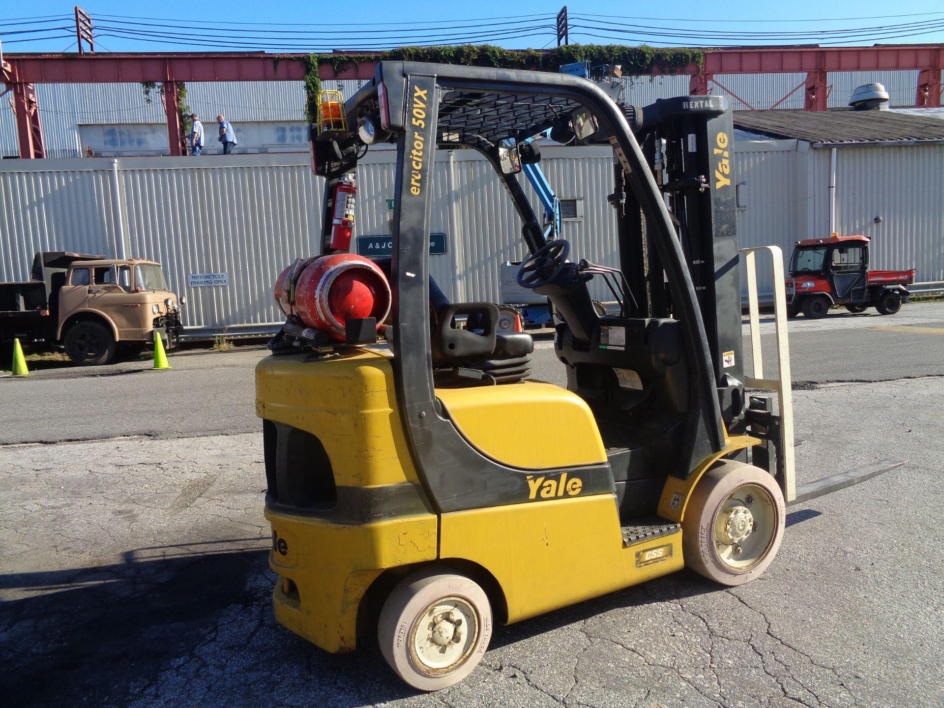 2014 Yale GLC050VXNVRE088 5,000 lb Forklift - Image 2 of 11