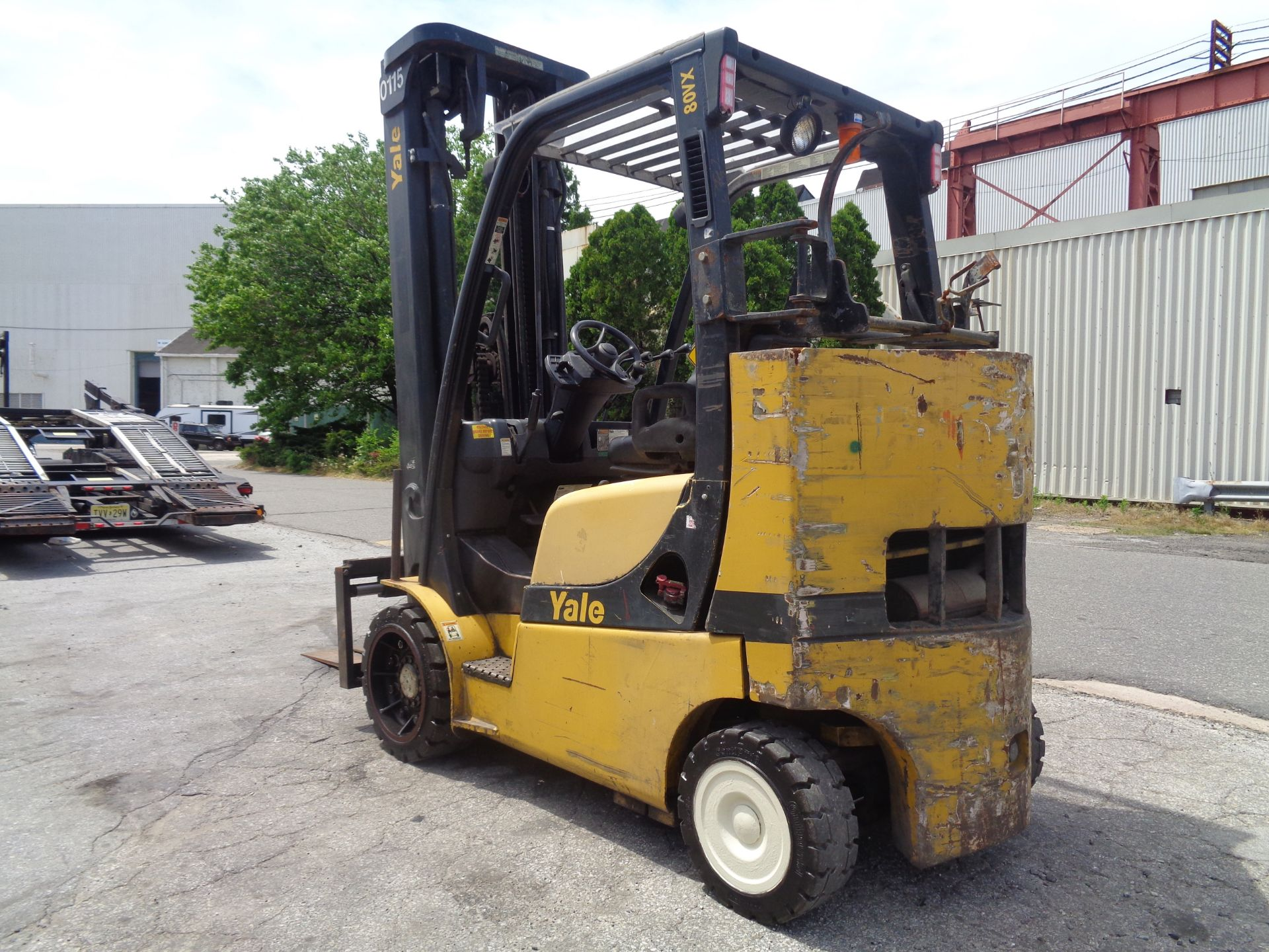 Yale GC080VXNGSE107.6 8,000lb Forklift - Image 11 of 18