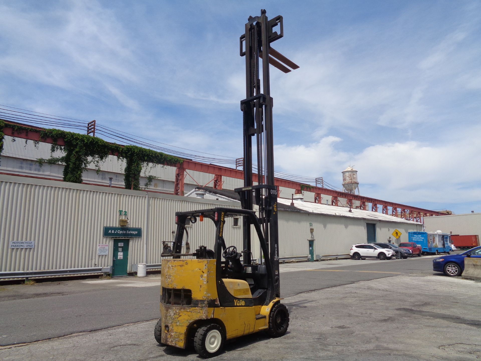 Yale GC080VXNGSE107.6 8,000lb Forklift - Image 12 of 18