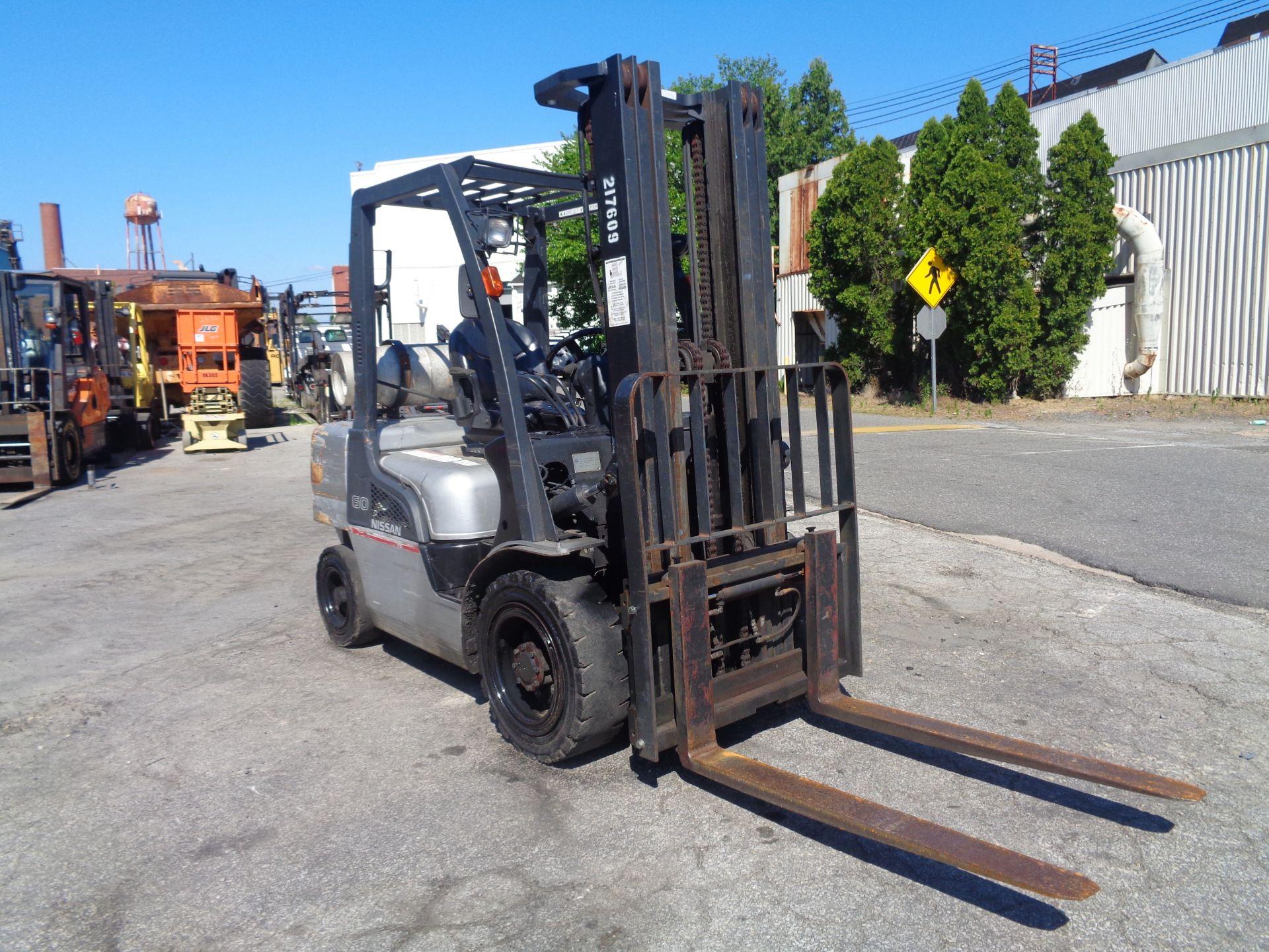 Nissan MUG1F2A30LV 6,000 lbs Forklift - Image 3 of 9