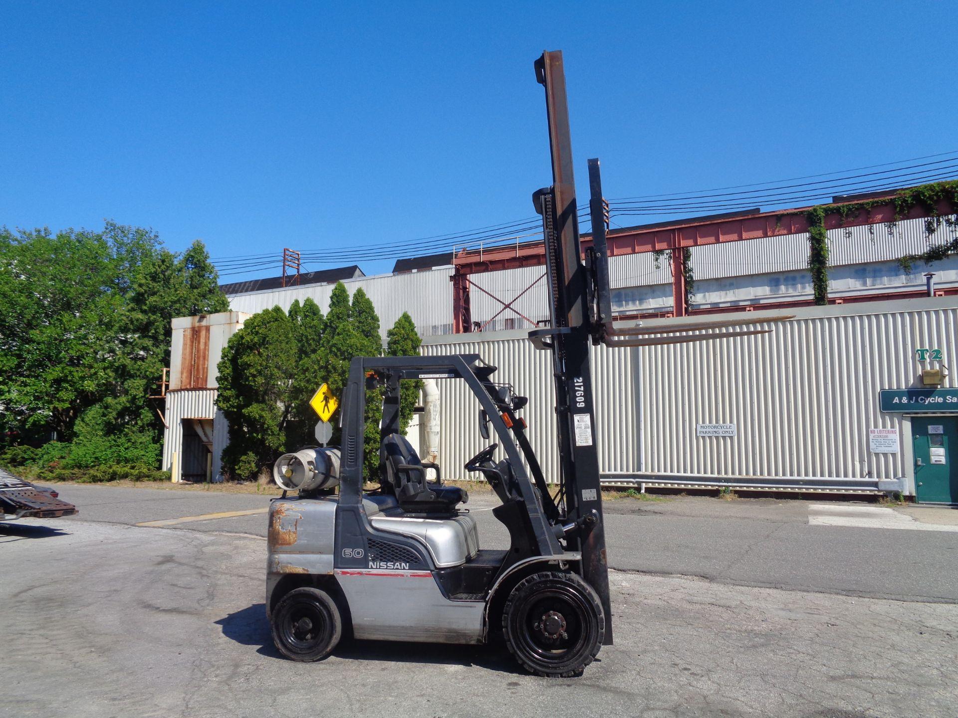 Nissan MUG1F2A30LV 6,000 lbs Forklift - Image 7 of 9