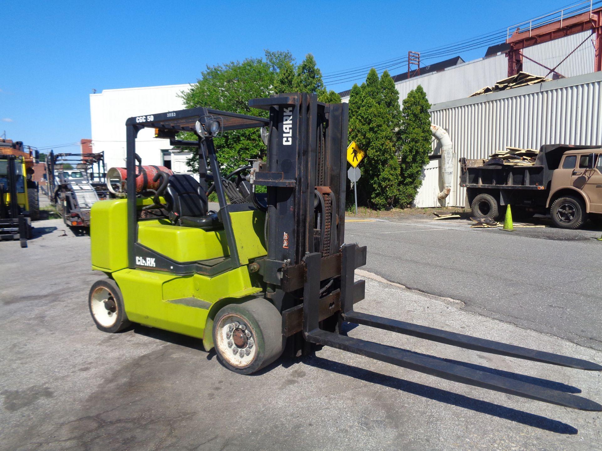 2014 Clark CGC500 10,000 lb Forklift - Image 7 of 12