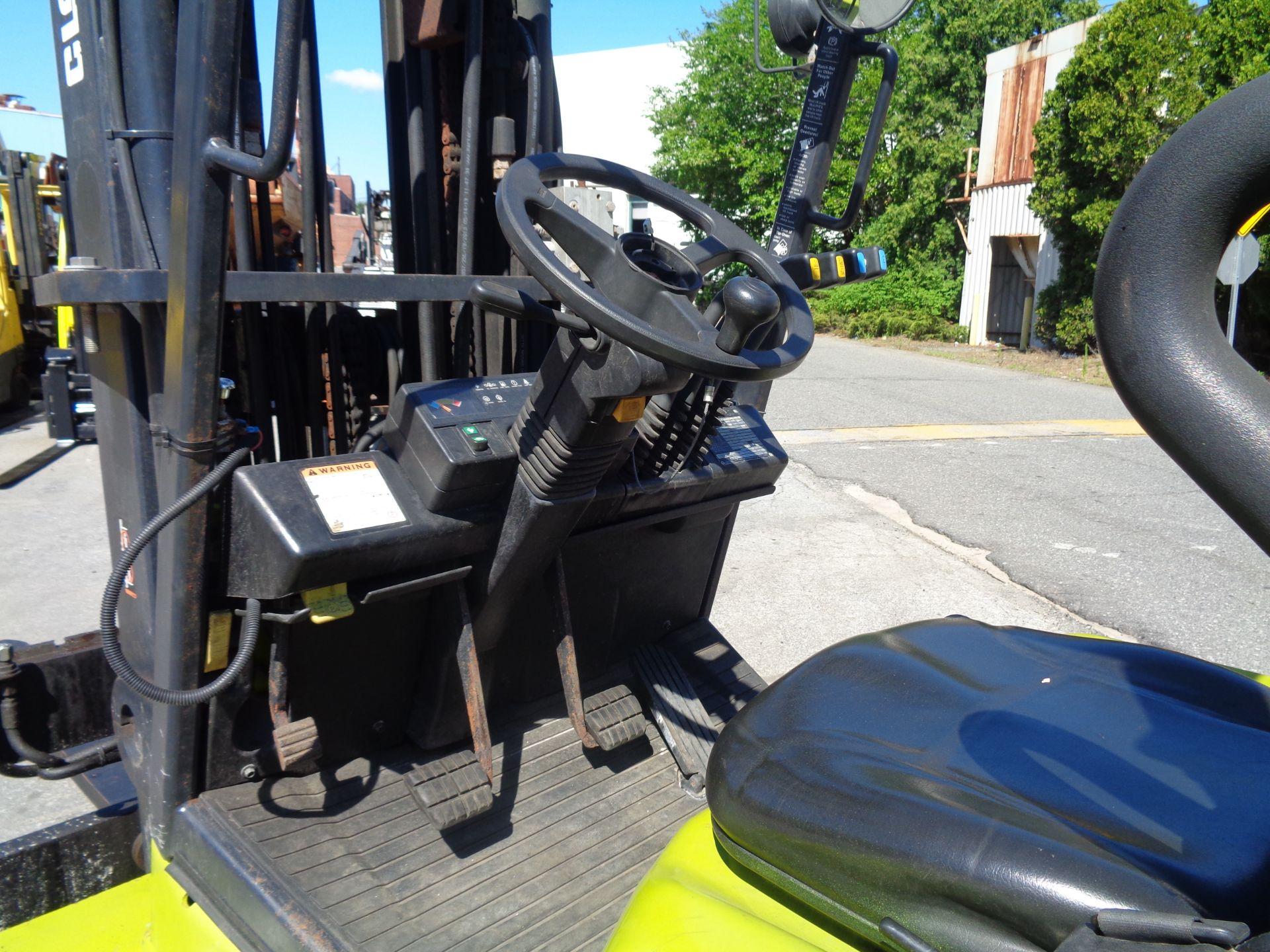 2014 Clark CGC500 10,000 lb Forklift - Image 4 of 12