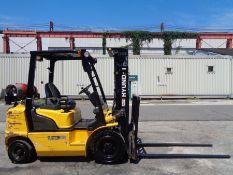Hyundai 25L-7 5,000lb Forklift