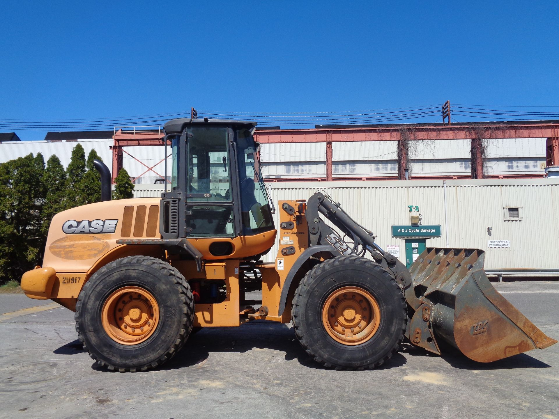 Lot 62 - 2013 Case 512E Wheel Loader