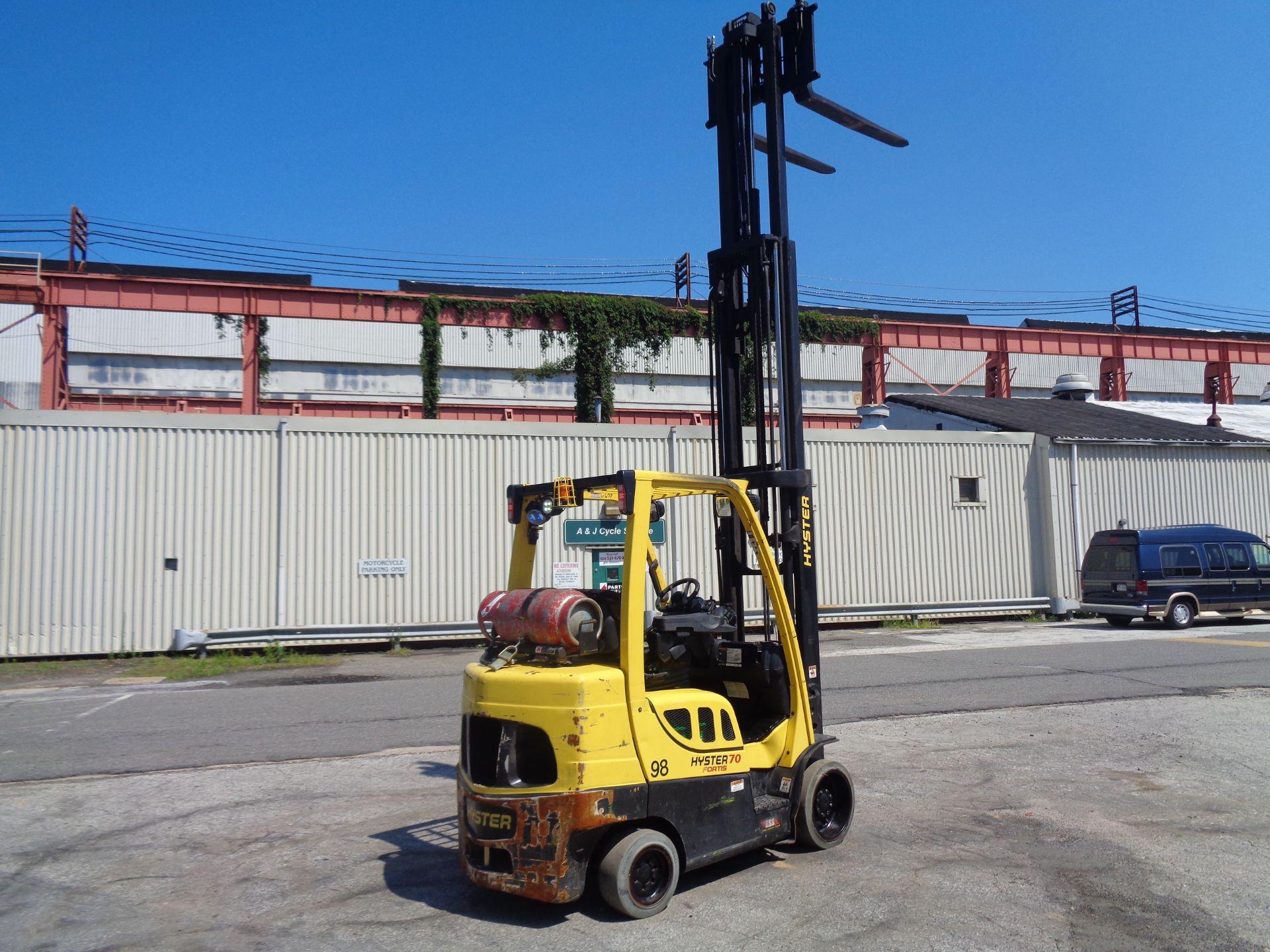 Lot 30 - 2015 Hyster S70FT 7,000lb Forklift