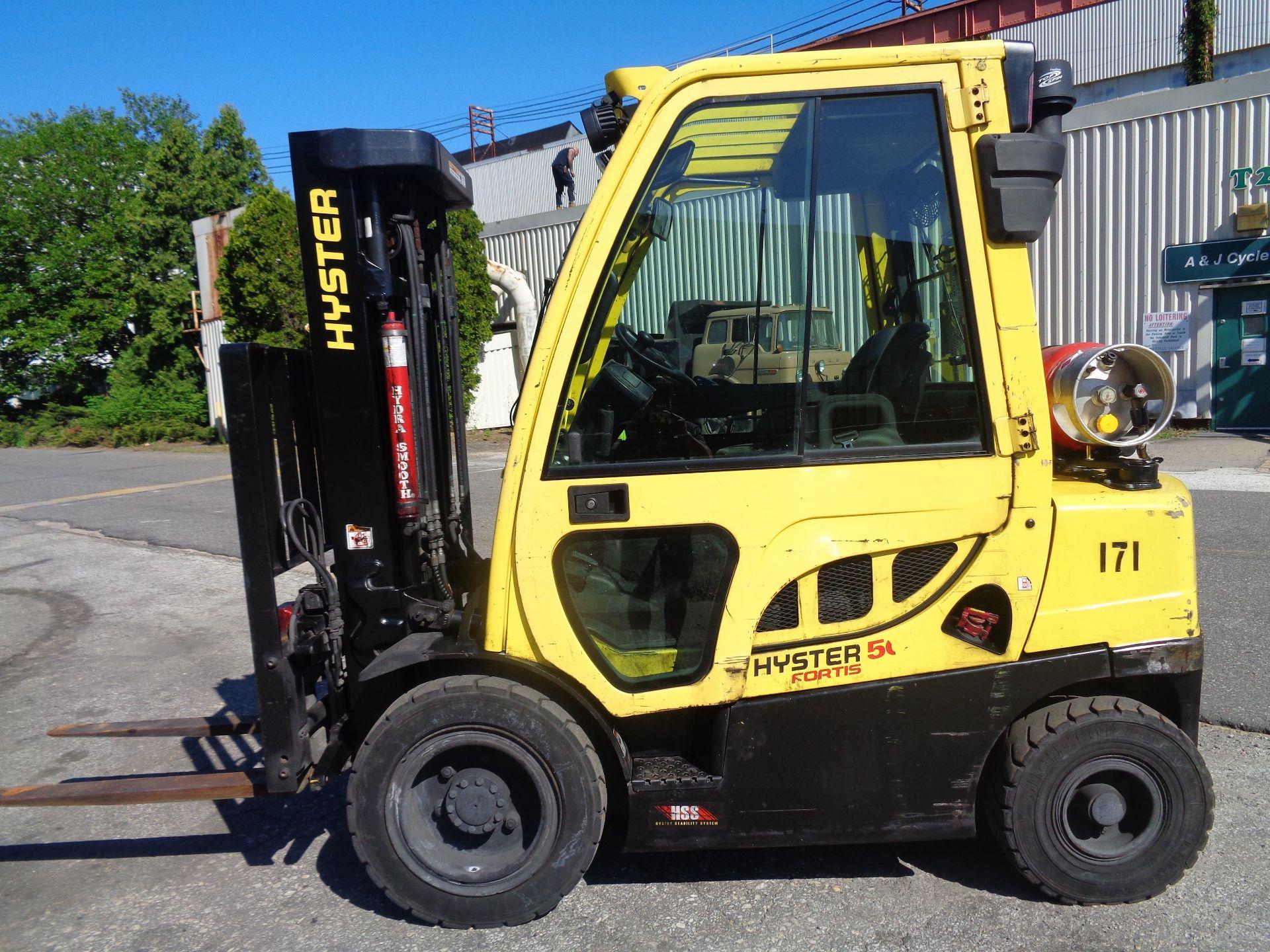 Lot 40 - 2015 Hyster H50FT 5,000lb Forklift