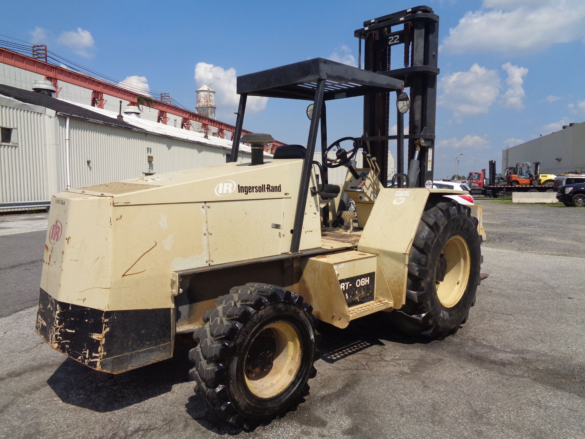 Lot 42 - 2005 Ingersoll Rand RT708H 8,000lb Rough Terrain Forklift - Only 455 hours