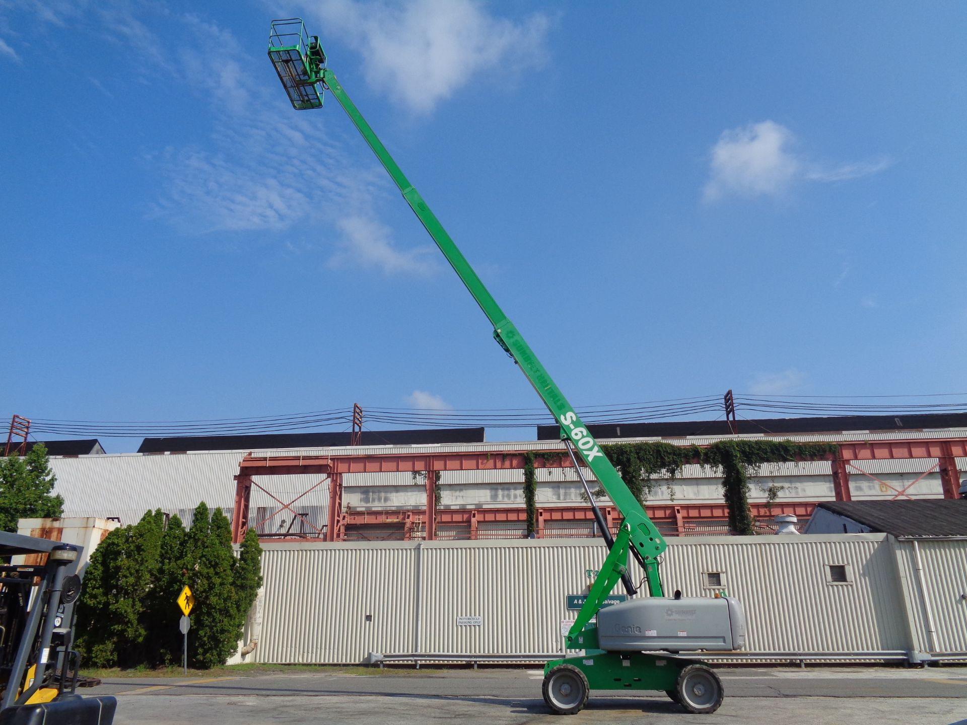 Lot 49 - 2011 Genie S60 60ft 4x4 Boom Lift