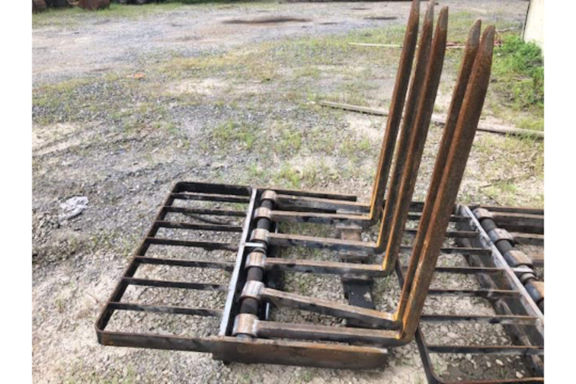 Lot 2 - Forks with side shift Carriage
