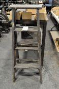 4' Wood Step Ladder