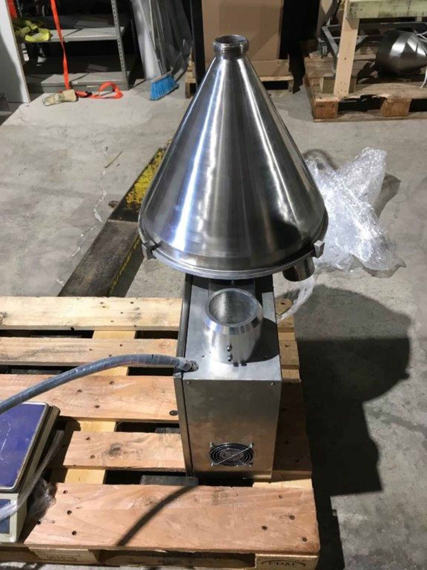 CFB-5 AUGER FILLER. 1 TO 500 g FILL RANGE, PROGRAMMABLE CONTROLS- LOCATION - AURORA, ONTARIO - Image 2 of 4