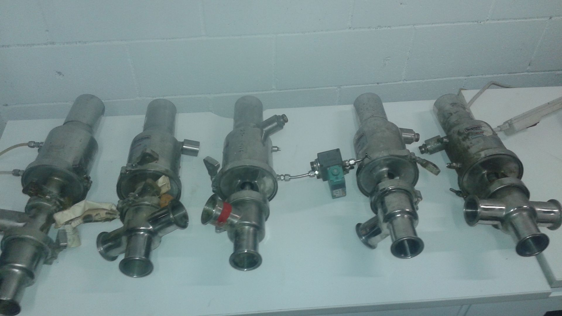 (1) LOT (5) Muller/Superior Stainless Flowmaster 2 Inch Valves - LOCATION - LONDON, ONTARIO