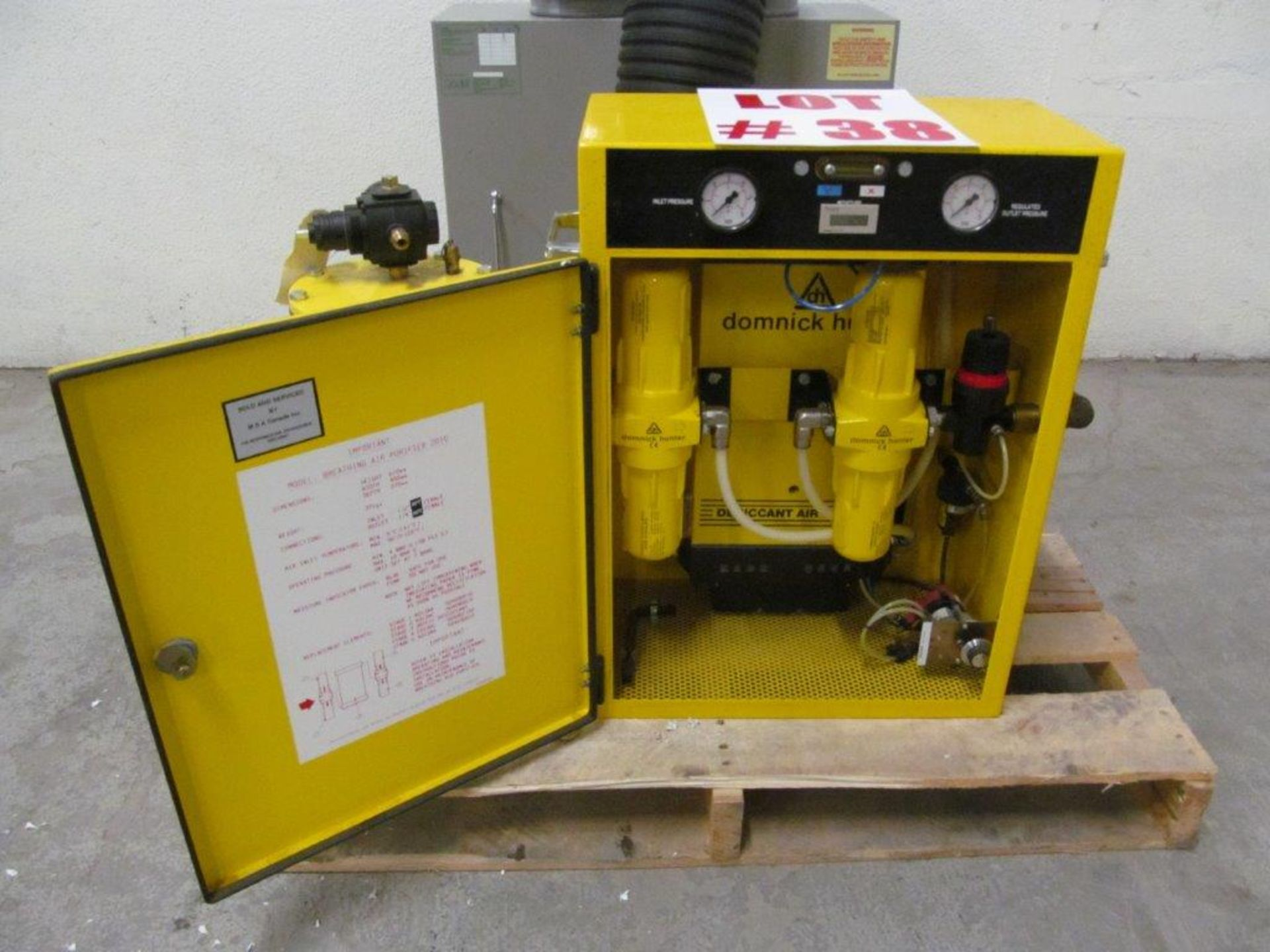 Lot 38 - MSA CO + CO2 REMOVER, DOMNICK HUNTER BREATHING AIR PURIFIER 2010, S/N 067-37643 - LOCATION,