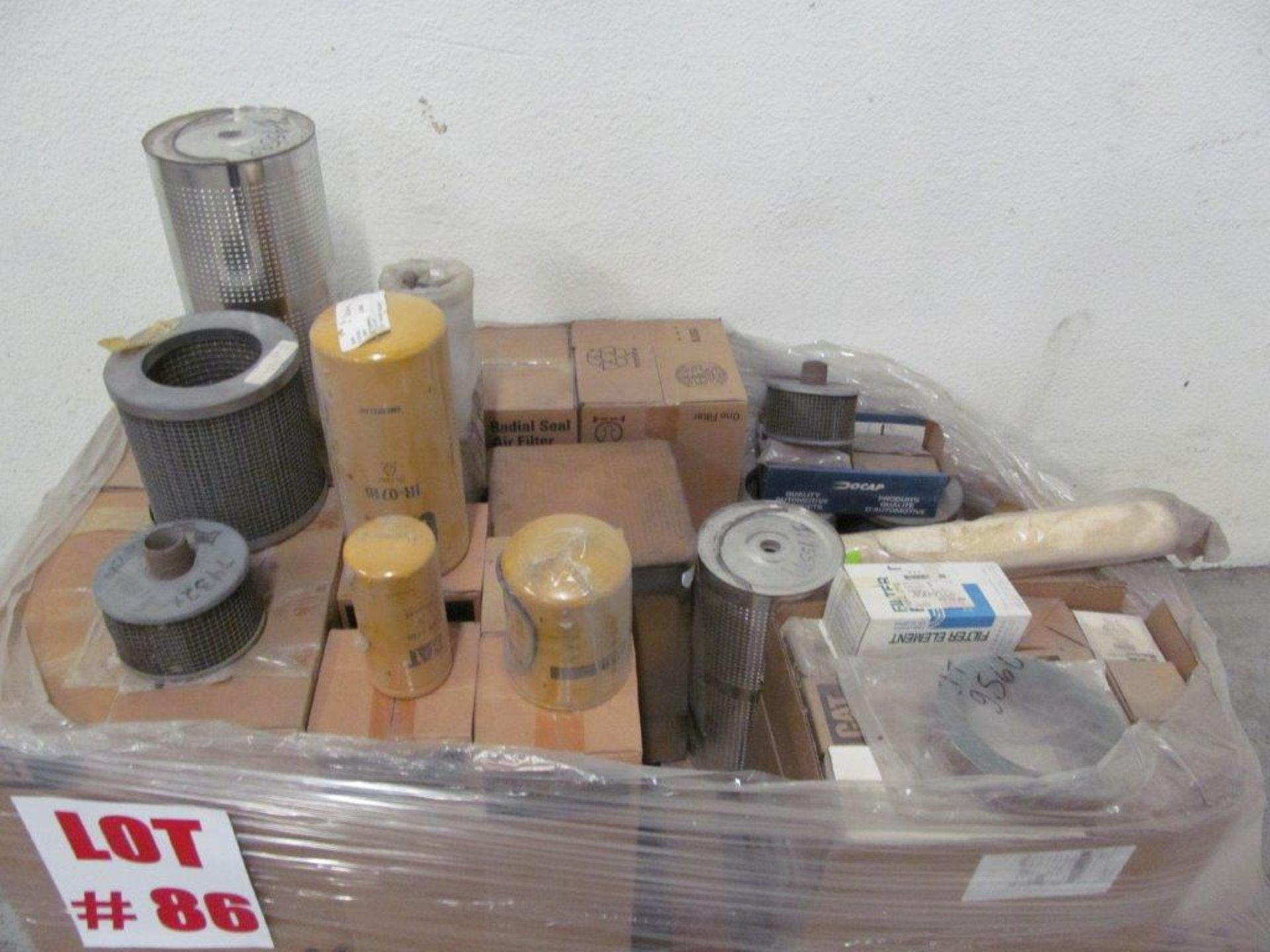 Lot 86 - (1) LOT ASSORTED FILTERS, AIR & OIL - LOCATION, HAWKESBURY, ONTARIO