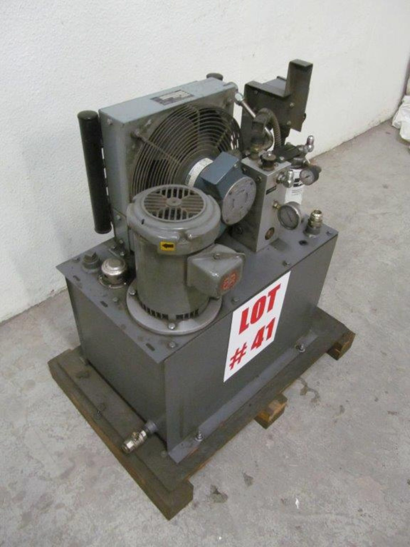 Lot 41 - HYDRAULIC PUMP, C/W ACCESSORIES, 575V/3PH/60C - LOCATION, HAWKESBURY, ONTARIO