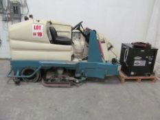 TENNANT WAREHOUSE CLEANING UNIT, C/W 36V CHARGER - LOCATION - HAWKESBURY, ONTARIO