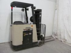 CROWN ELECTRIC FORKLIFT, 3500LB CAPACITY 36 V BATTERY (NO CHARGER)- LOCATION - HAWKESBURY, ONTARIO