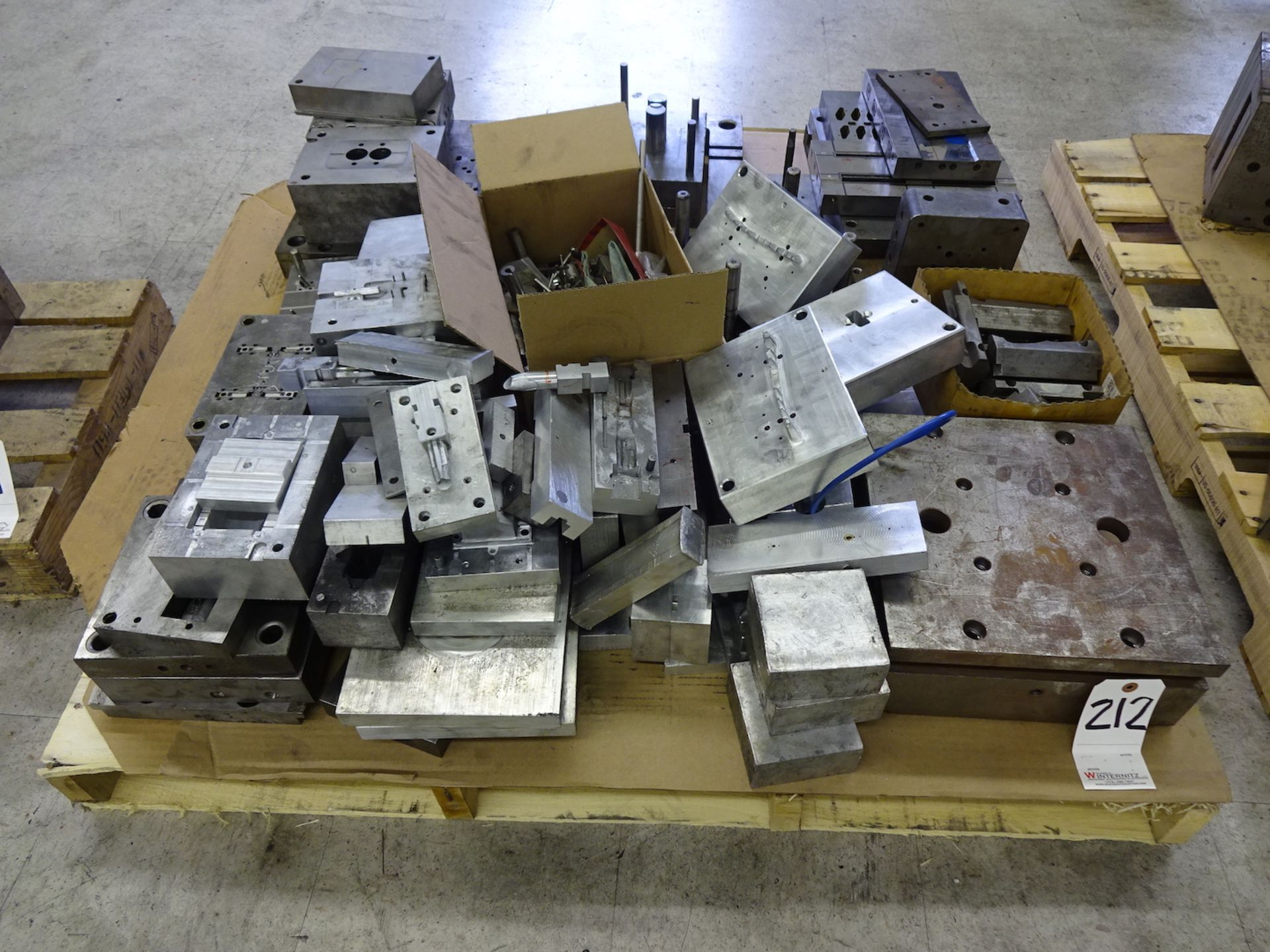 Lot 212 - LOT: Plastic Injection Mold Parts