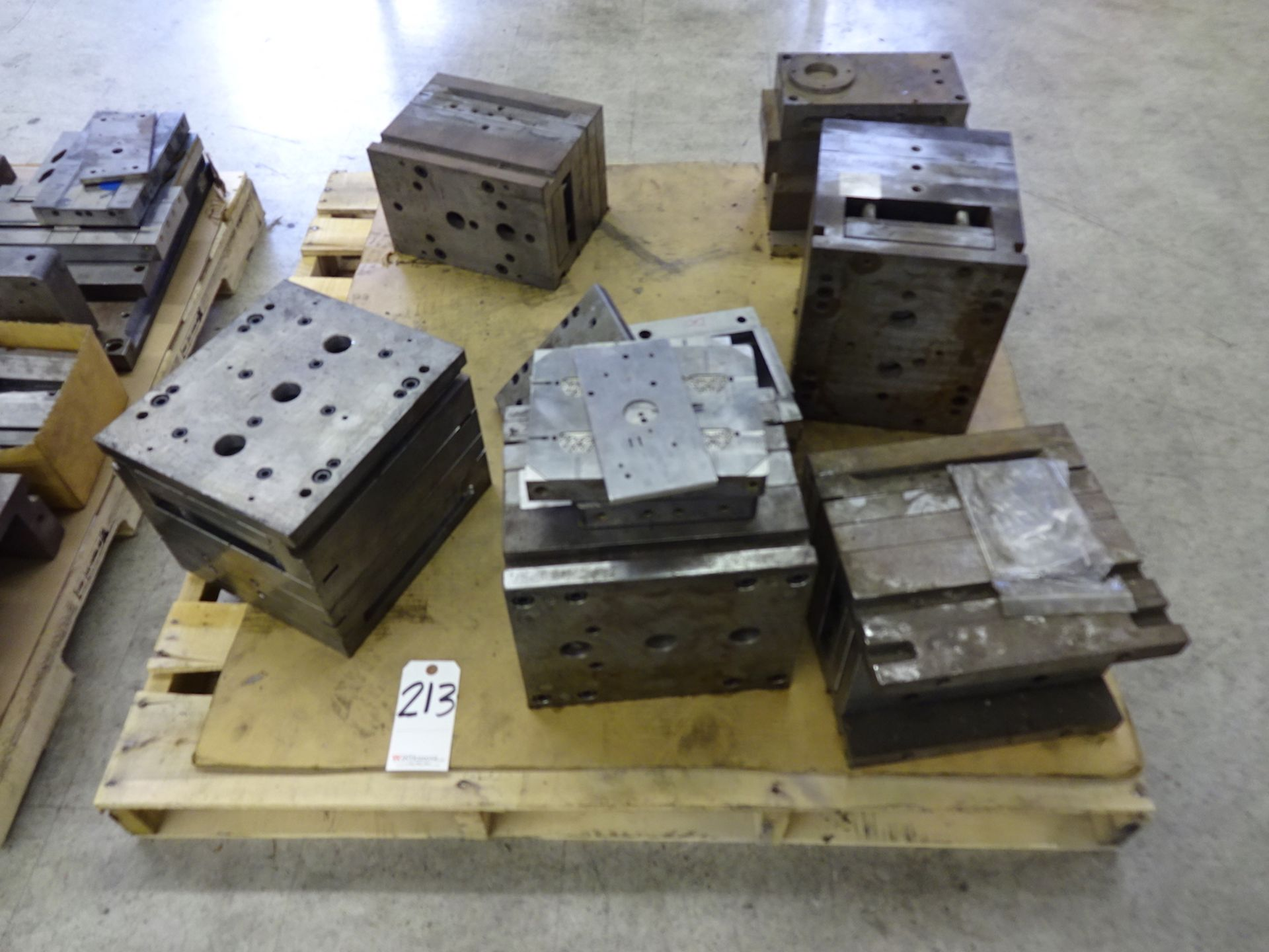 Lot 213 - LOT: Assorted Plastic Injection Molds & Parts