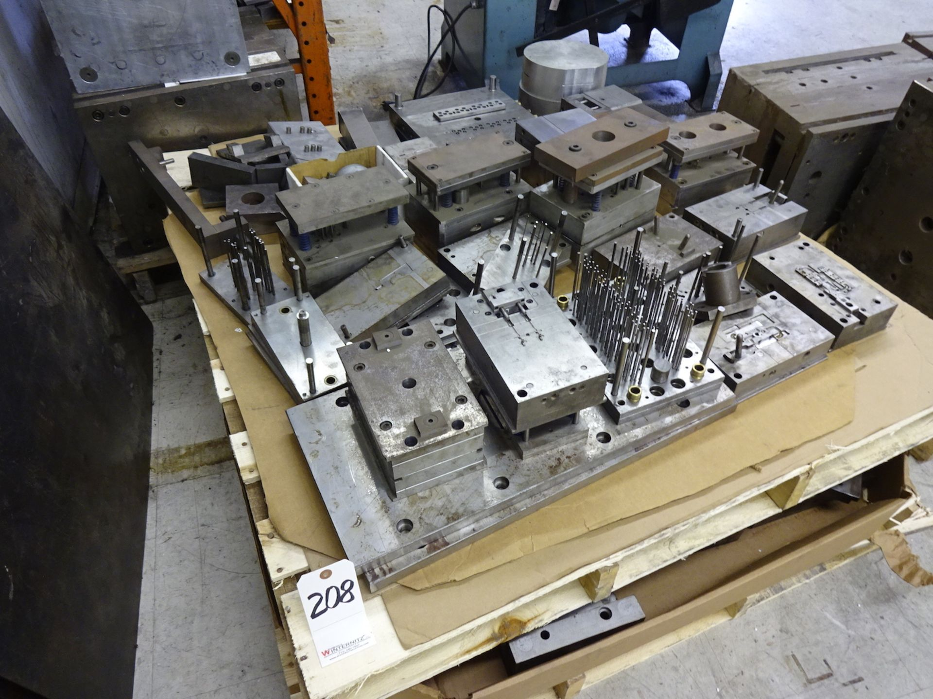 Lot 208 - LOT: Plastic Injection Mold Parts on (1) Pallet
