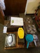 SKID OF 5 MOLDS TO MAKE HOUSEHOLD ITEMS - SILVERWARE TRAY, BREAD BASKET, RAMINKEN, RAMINKEN LID